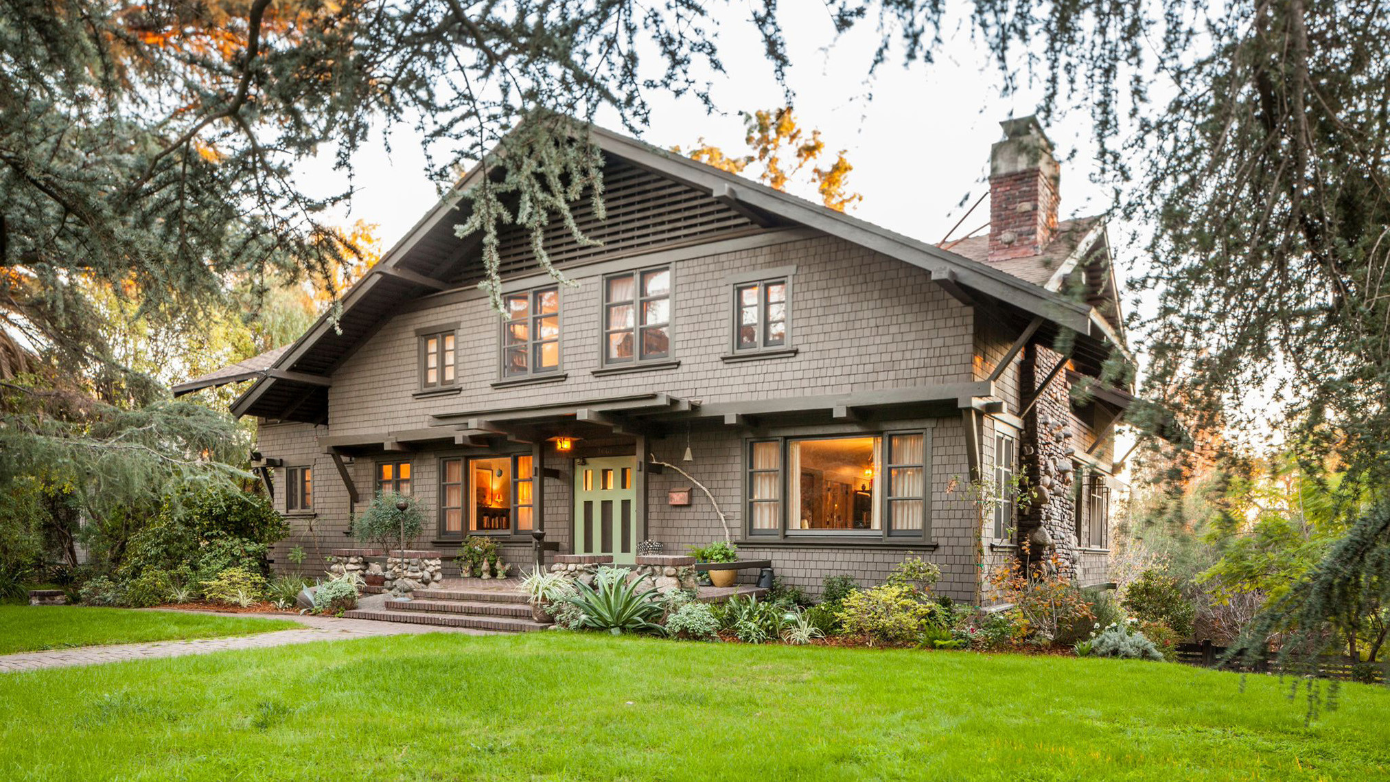 Home of the day greene and greene craftsman in south for Pasadena craftsman homes
