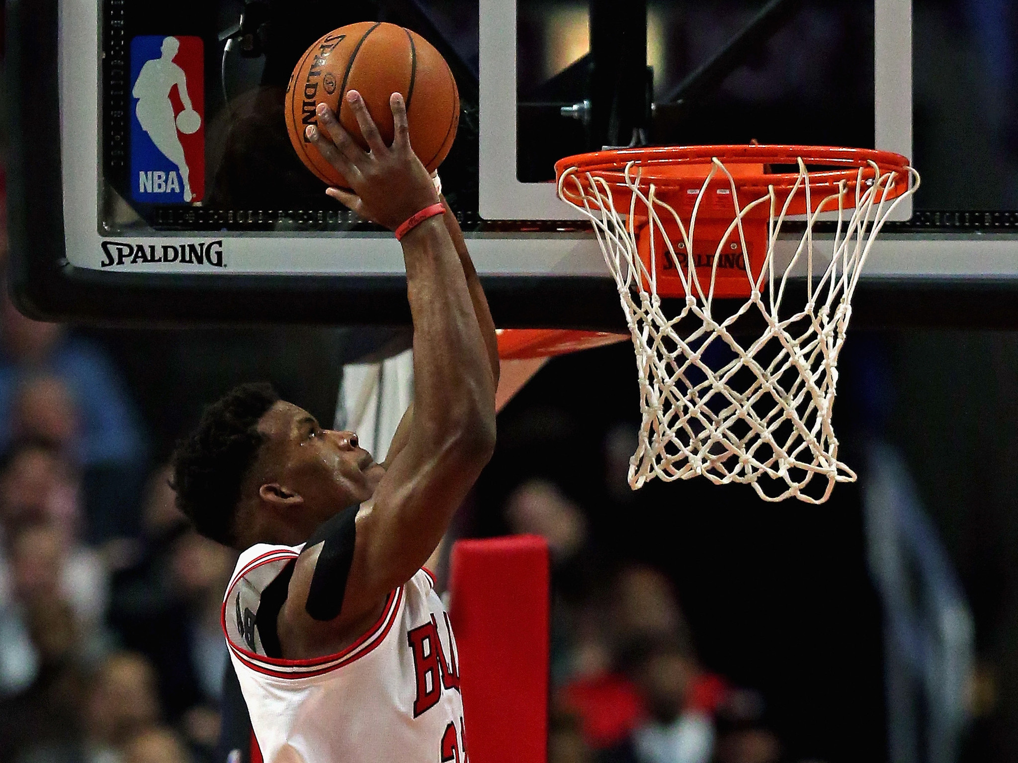 MRI confirms Jimmy Butler's strained shoulder; he's questionable for game vs. Cavs