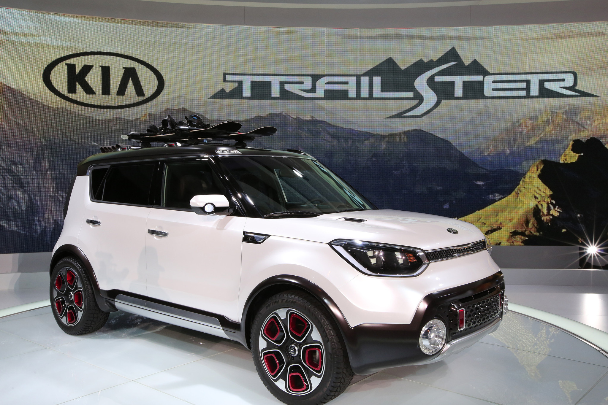 kia announces trailster e awd concept for chicago auto show car. Black Bedroom Furniture Sets. Home Design Ideas