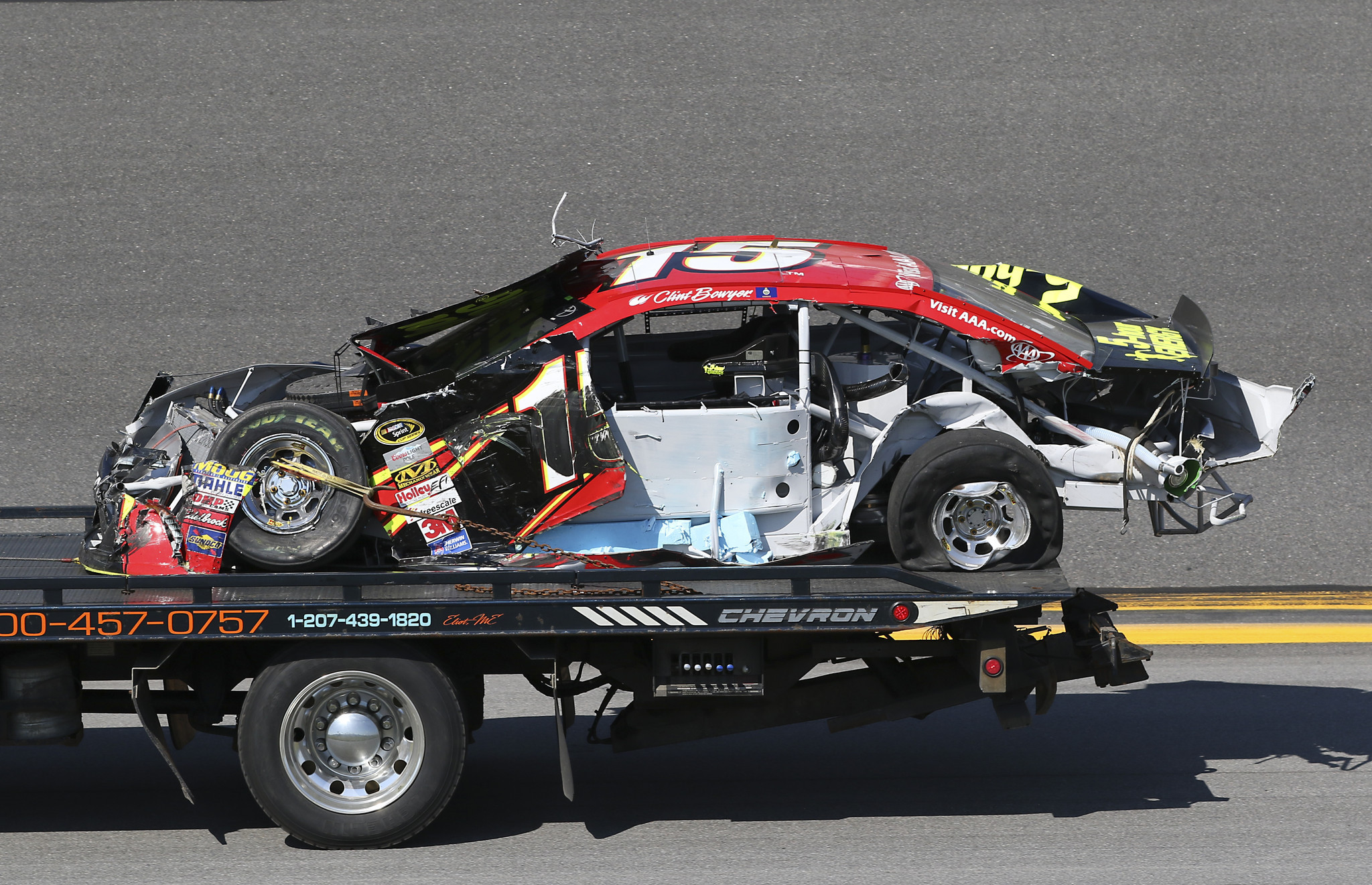 Clint Bowyer blasts NASCAR after wreck destroys car during Daytona ...
