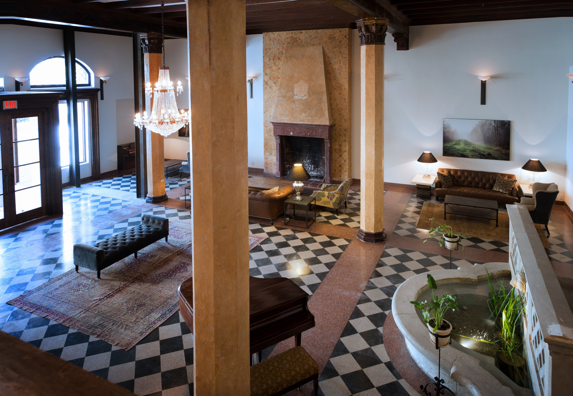 Deal vintage style and savings at koreatown 39 s hotel for Boutique hotel normandie