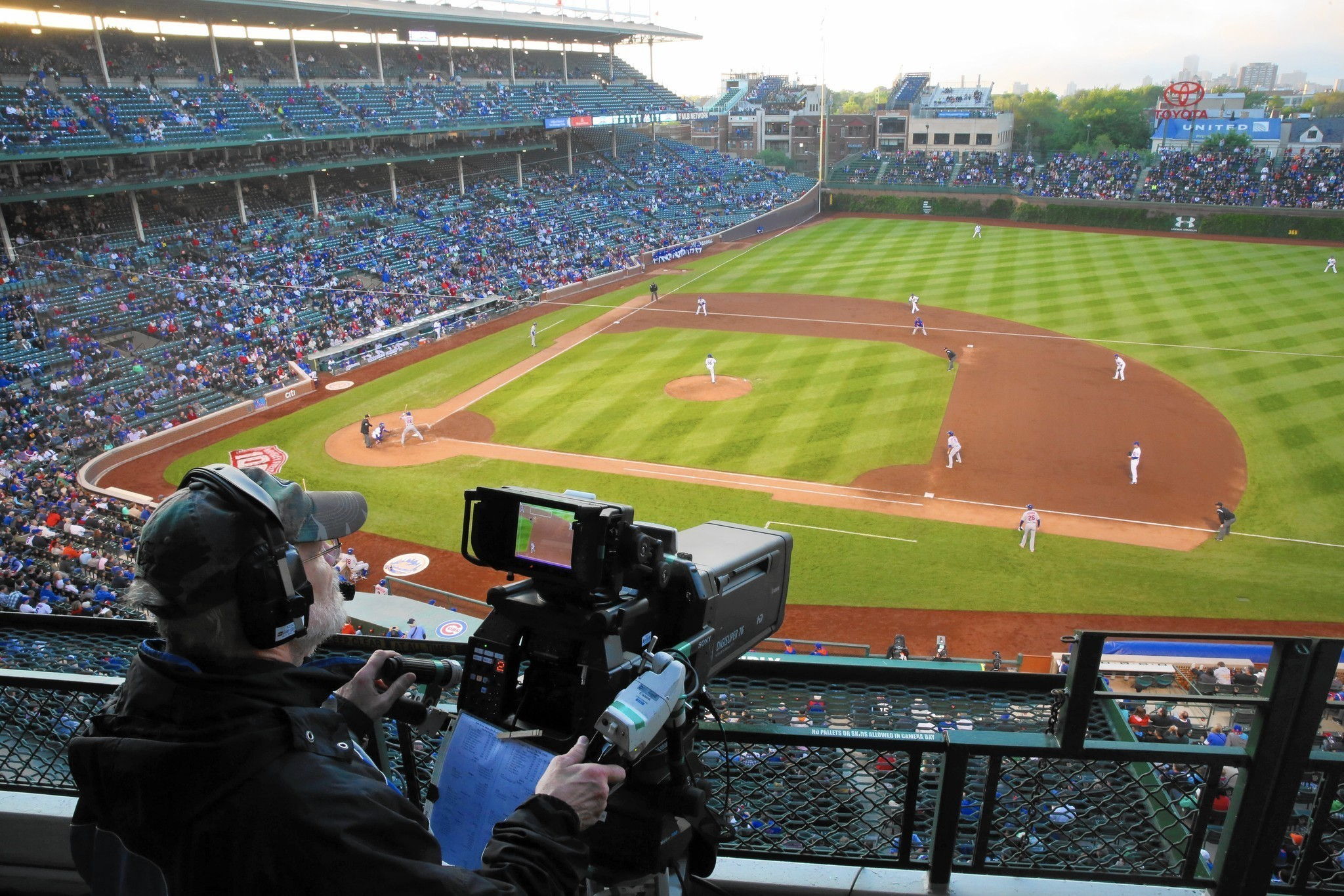 Wgn ch 9 announced its 2015 schedule for the chicago cubs on friday