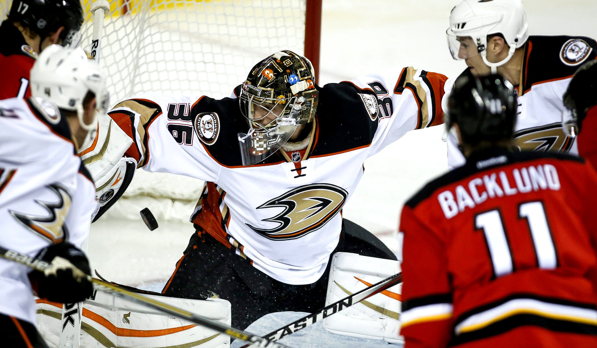 Ducks Score Five Goals In Third Period To Beat Flames, 6-3