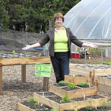 Glen Burnie West Local Woman Thinks Small At Big Home And Garden Show