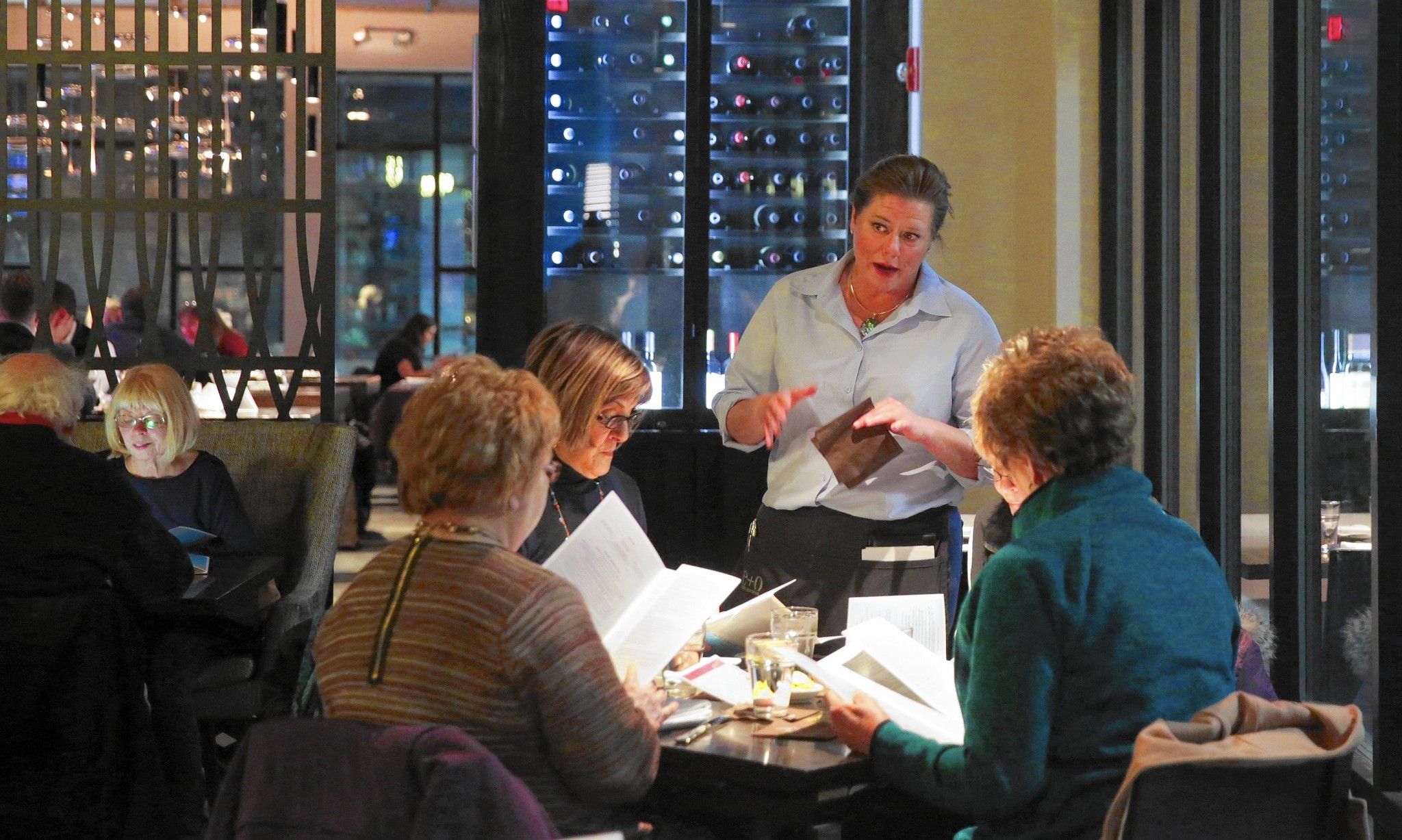 Chicago reservation apps offer access to exclusive restaurants