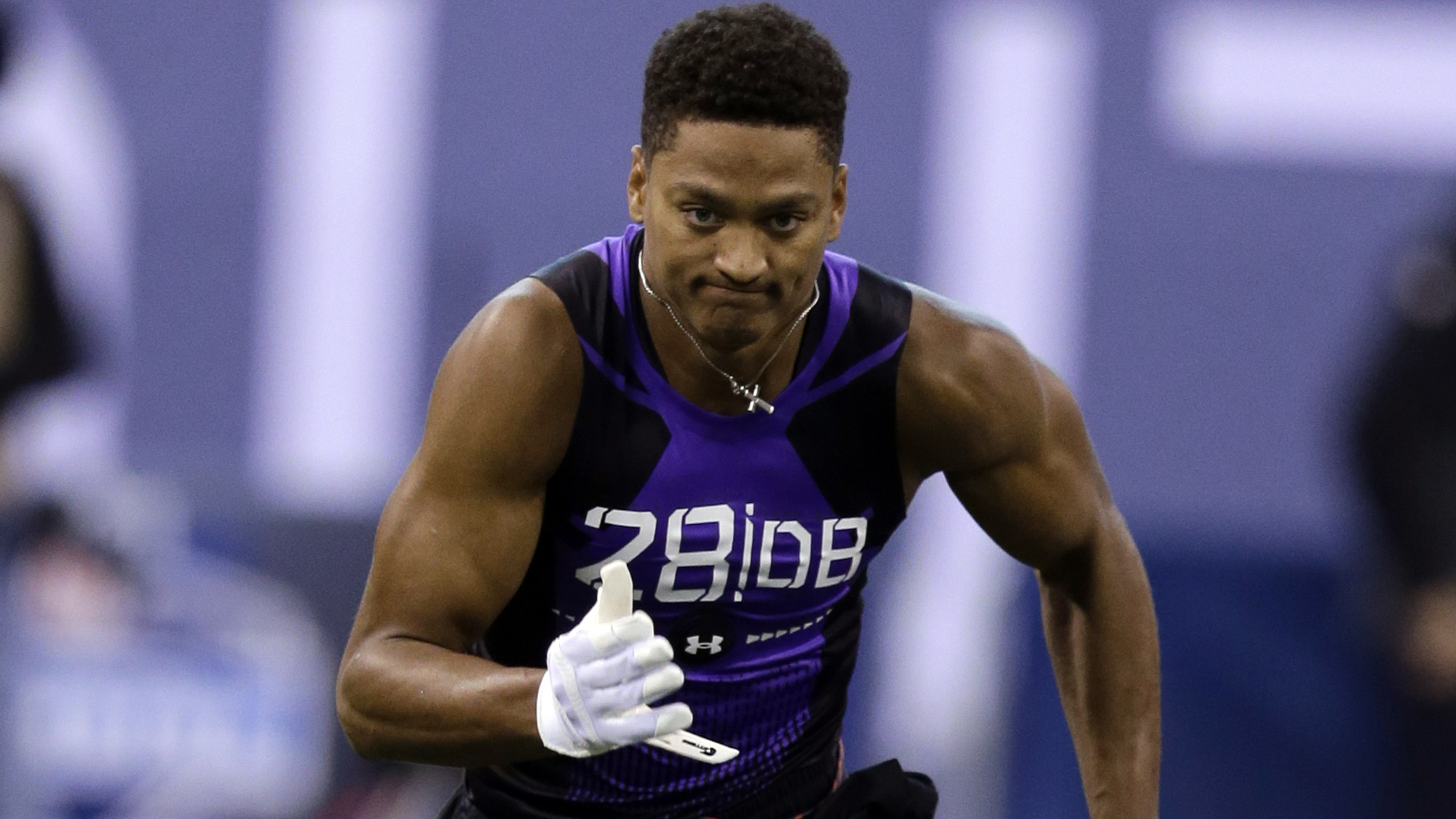 Kevin Johnson runs 4 52 in 40 yard dash at NFL scouting bine