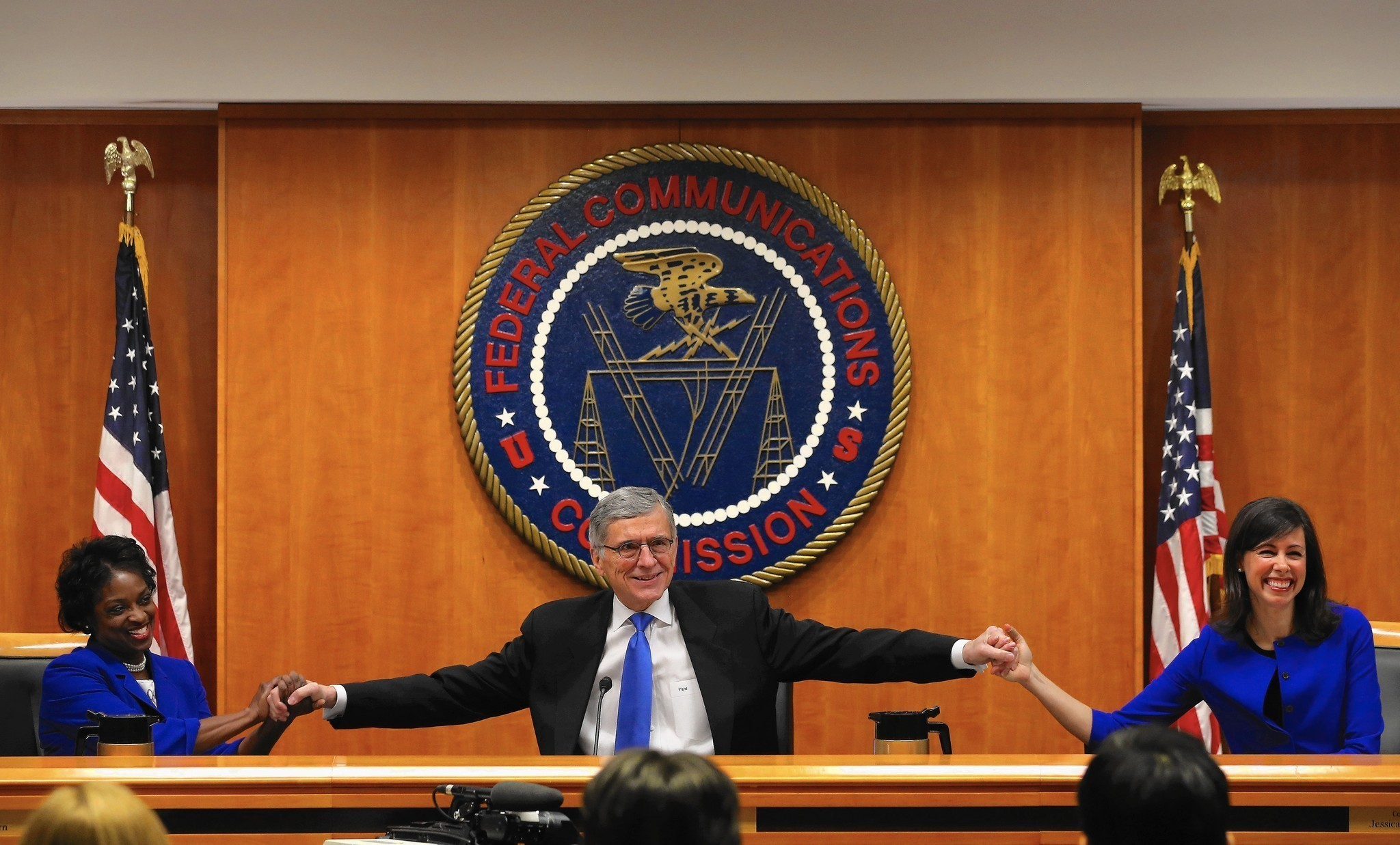 FCC tightens Internet oversight with new net neutrality rules