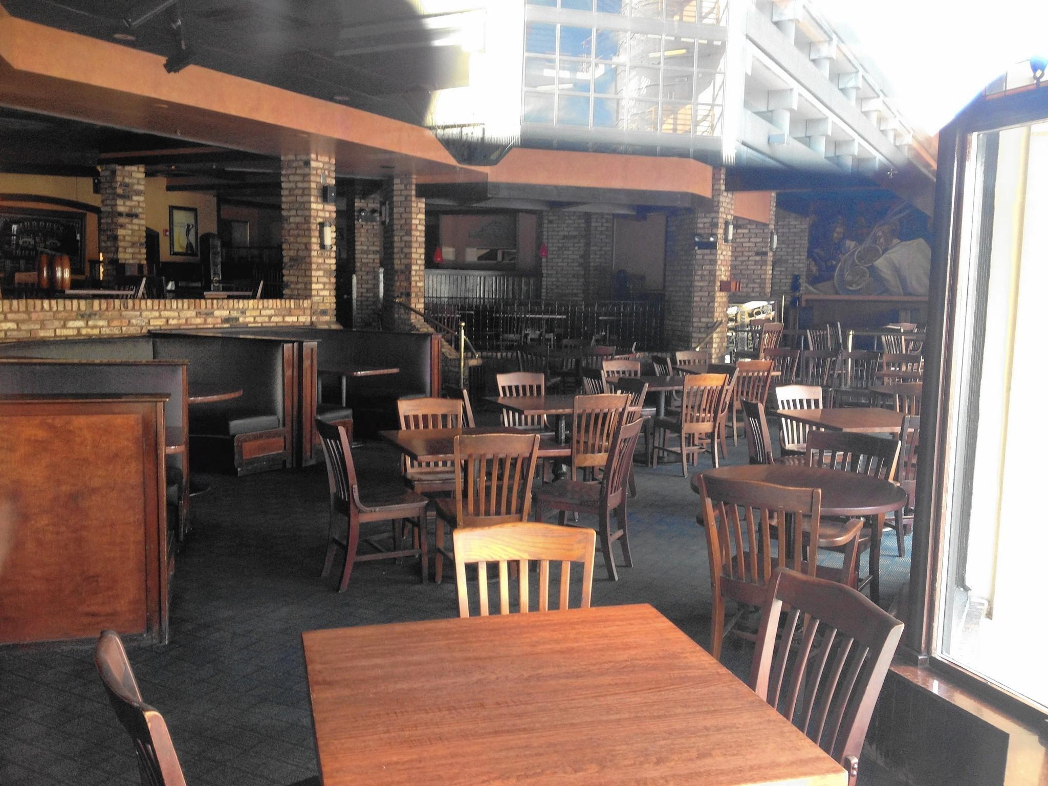 Oakbrook Centers Oldest Restaurant Closes The Doings Oak Brook