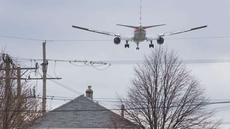 Suburbs try new approach in battle over O'Hare jet noise