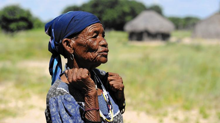 Bushwoman in Kalahari reserve