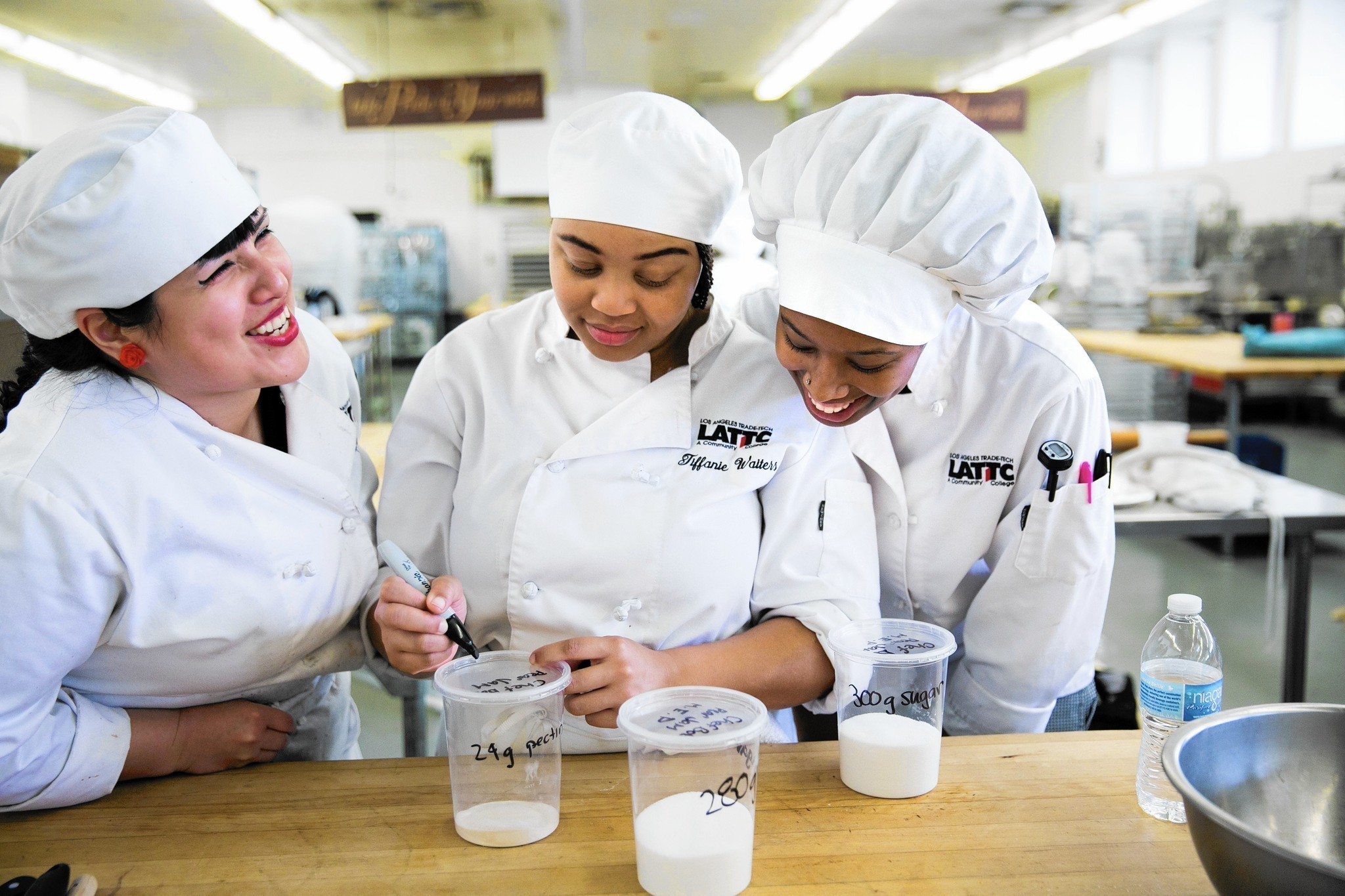 White apron chef fresno - Trade Tech Gives Culinary Students The Ingredients For Fulfilling Careers La Times