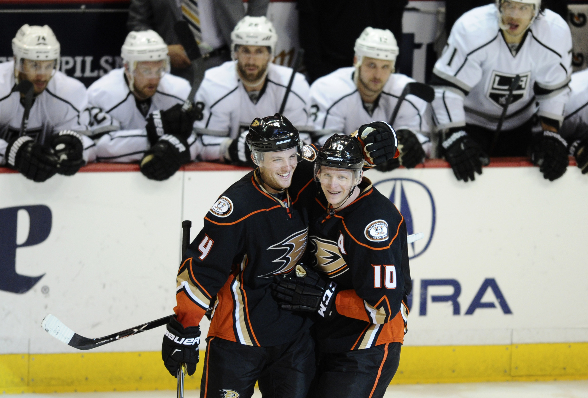 Ducks wipe out two-goal deficit in third period to beat Kings, 4-2