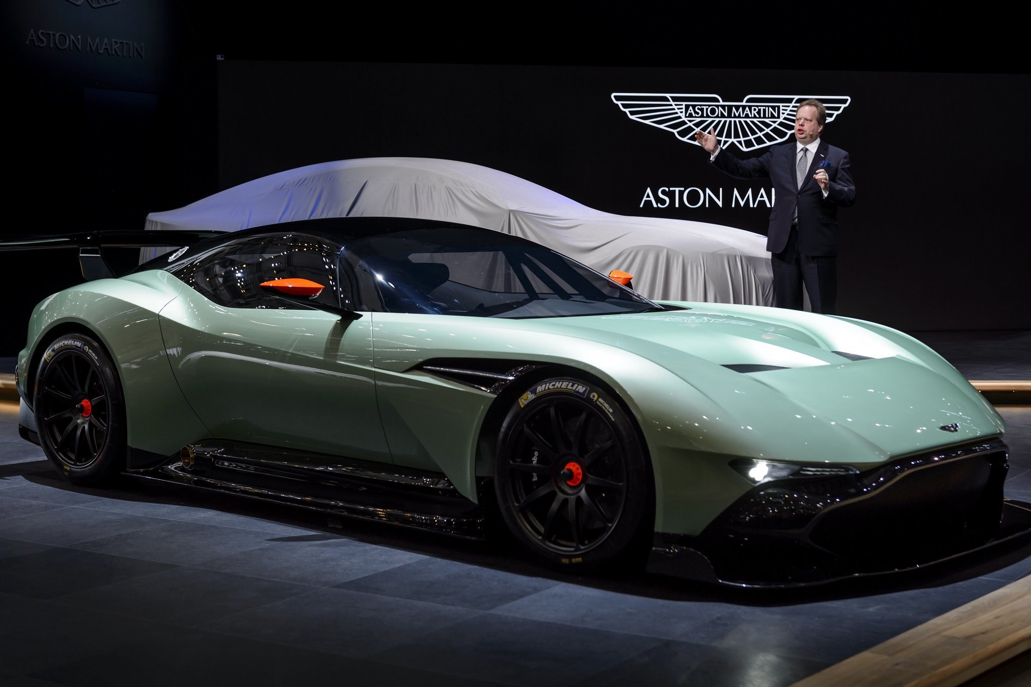 2015 geneva motor show aston martin debuts track only vulcan supercar la times. Black Bedroom Furniture Sets. Home Design Ideas
