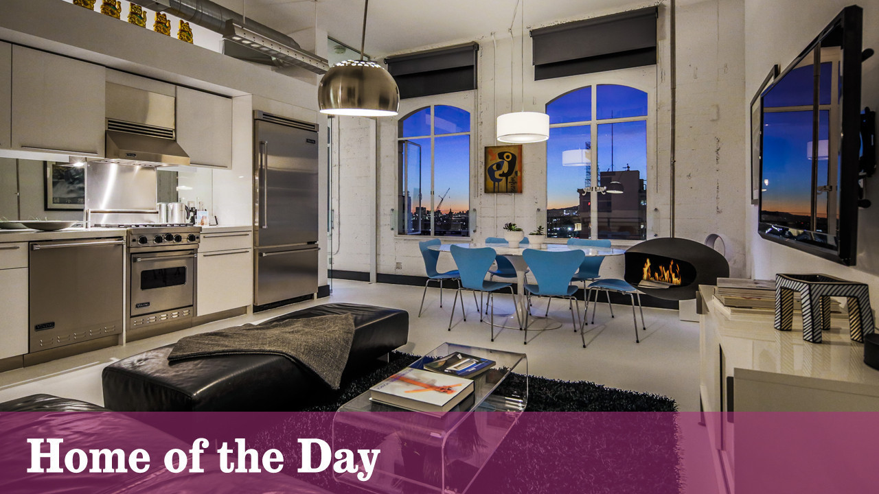 Home Of The Day Super Hip At Hollywood And Vine Chicago