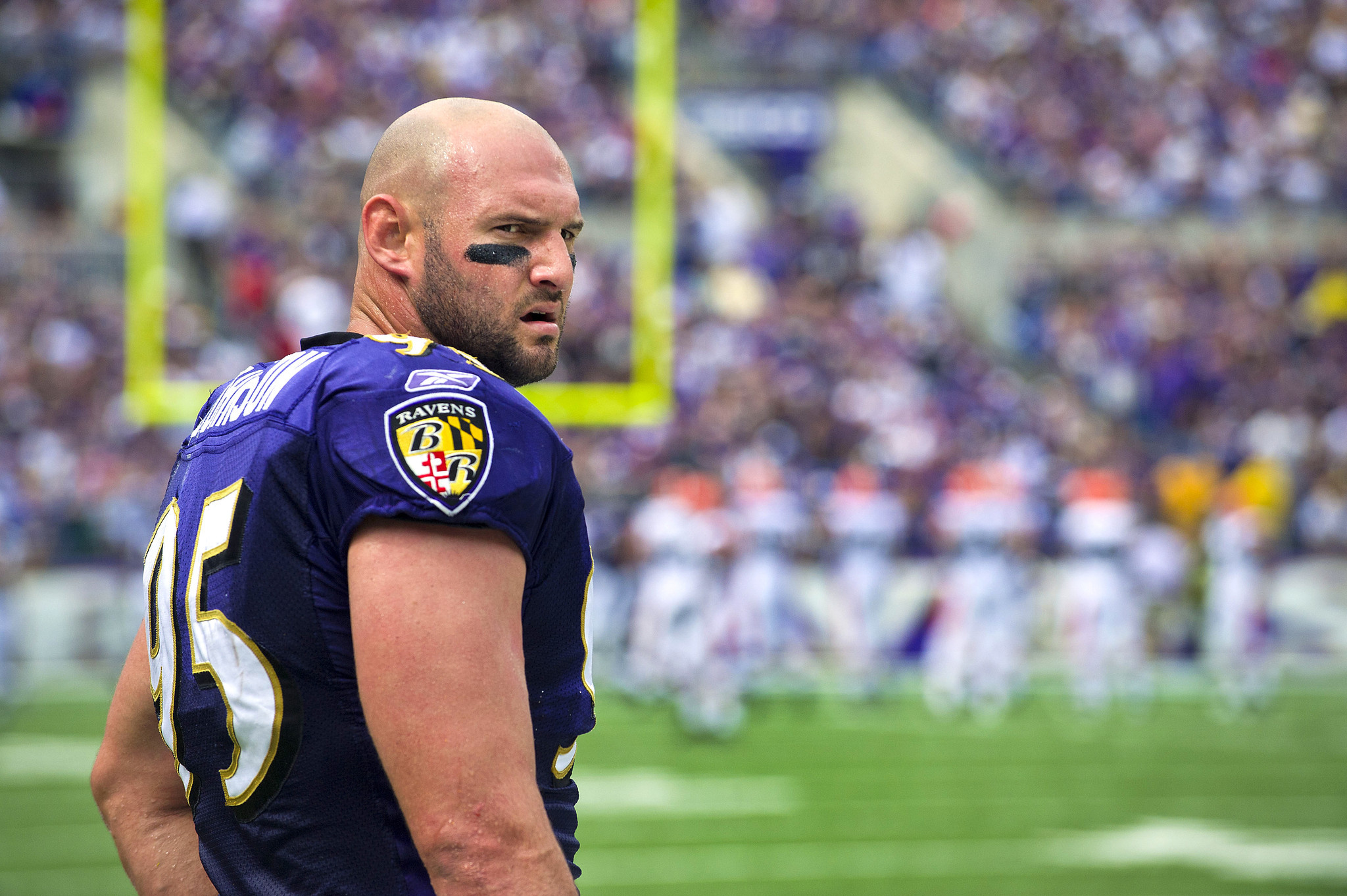 Jarret Johnson to sign one-day c