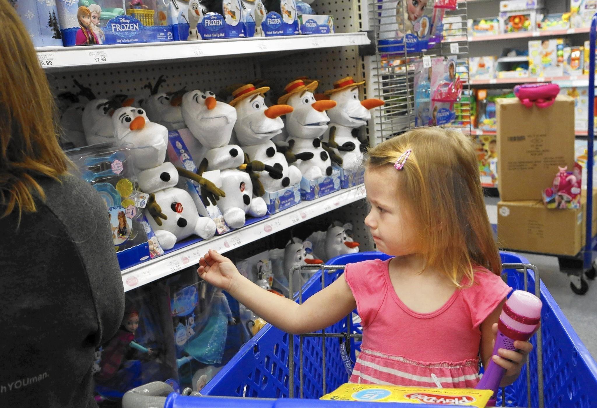 Frozen Toys R Us : Disney works to keep its hit film frozen hot la times