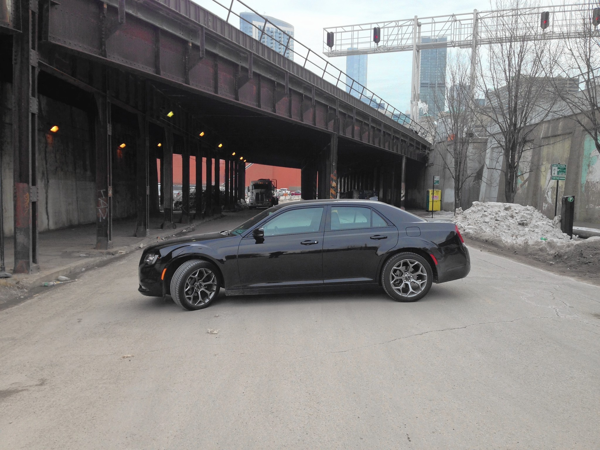 2015 Chrysler 300S hits all the right points