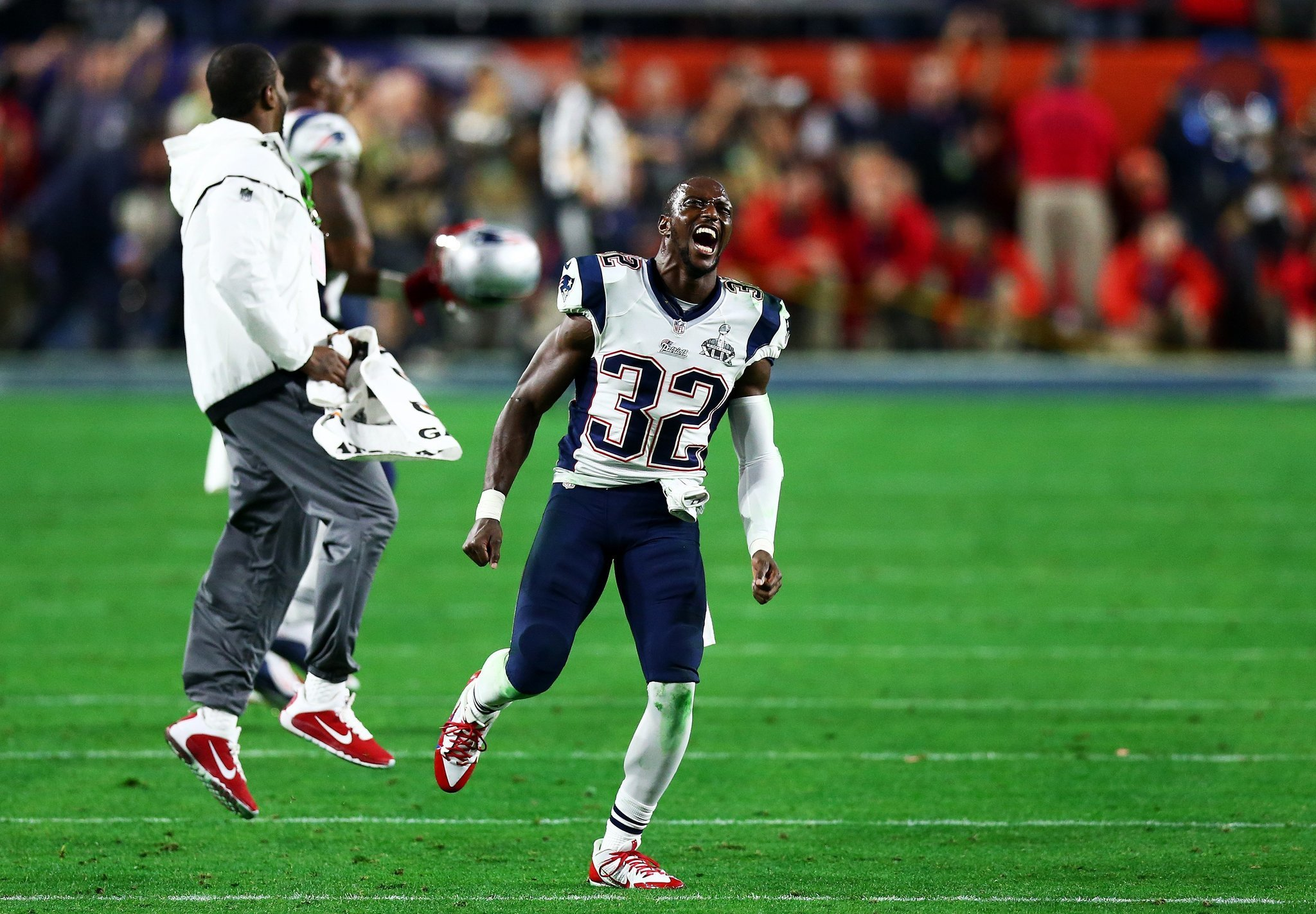 Patriots keep safety Devin McCourty from reaching free agency
