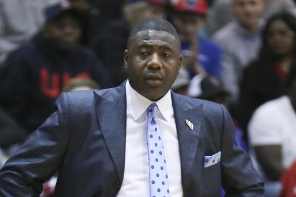 Howard Moore out as UIC basketball coach - carrollcountytimes.com