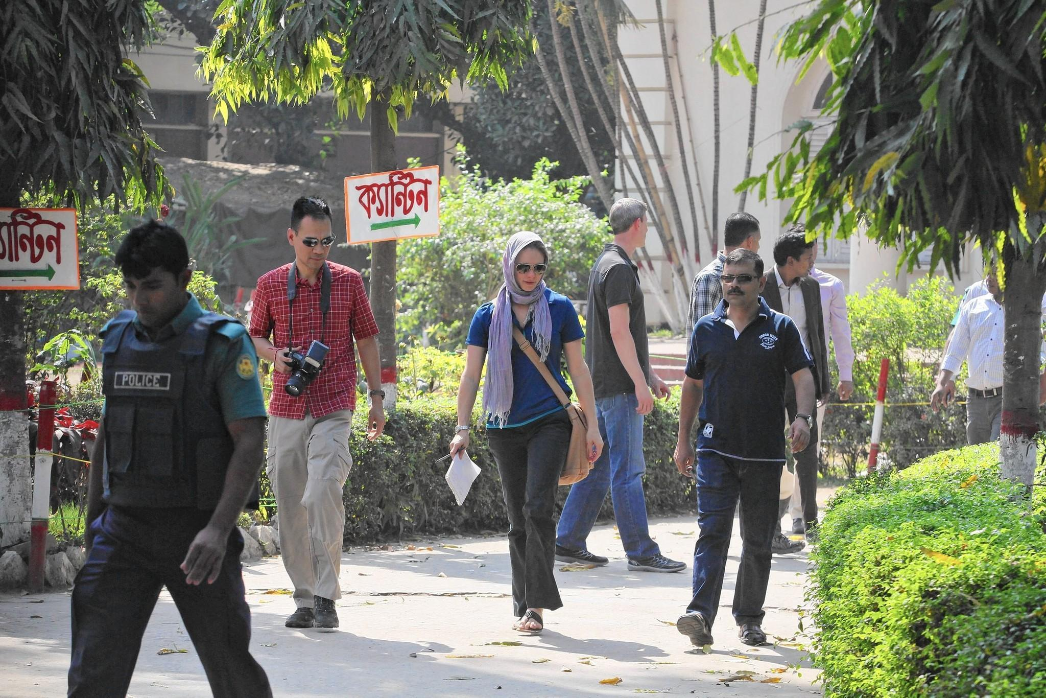 Dhaka police let killers of American Avijit Roy escape, father says
