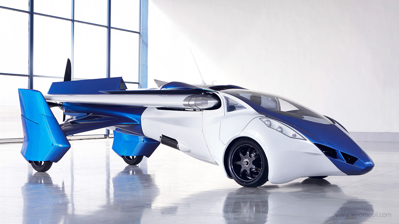SXSW: AeroMobil aims in 2 years to have wealthy car buyers flying high