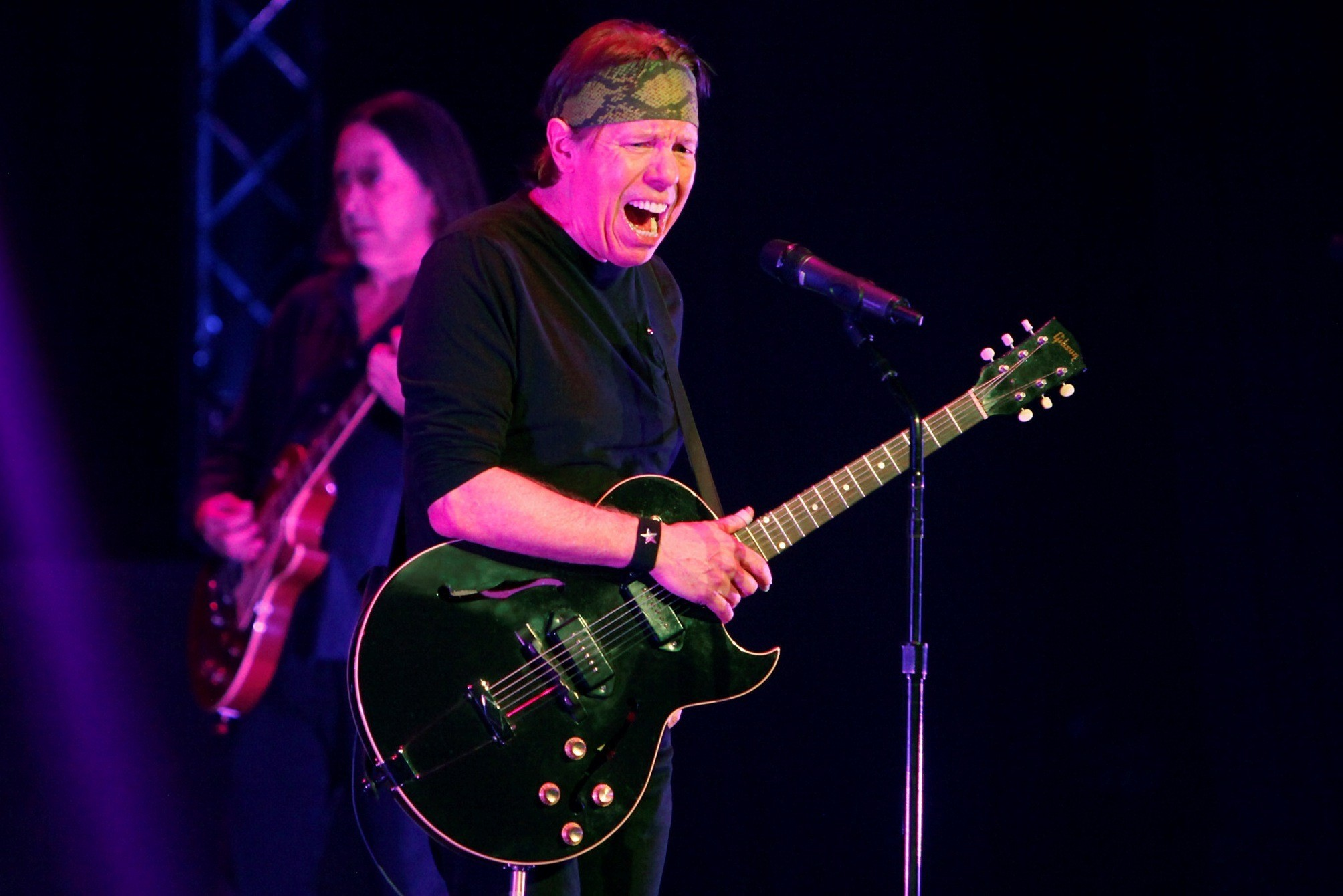Review George Thorogood Gives An Appropriately Rowdy St Paddys