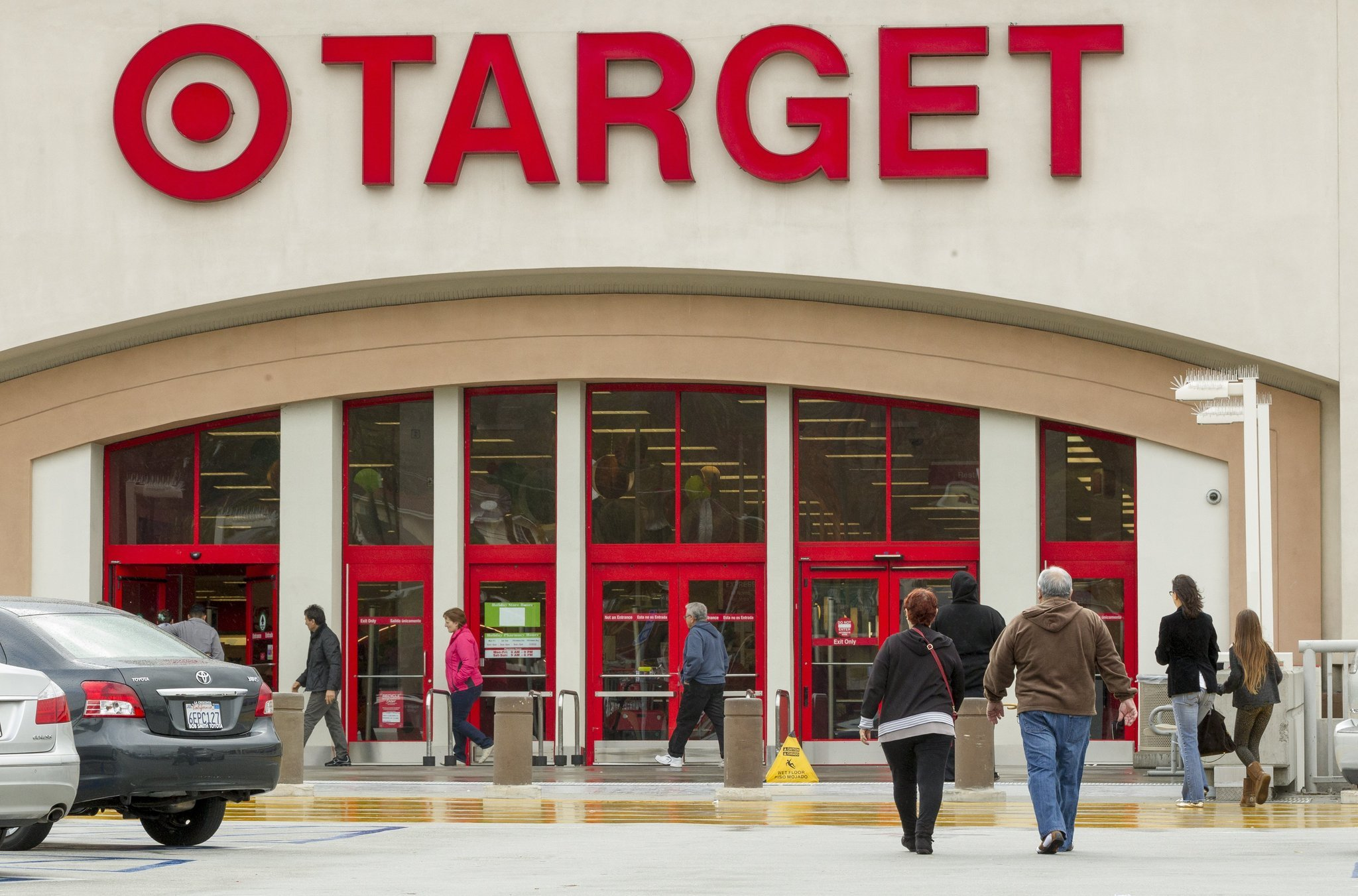 Target agrees to pay $10 million to settle data breach lawsuit
