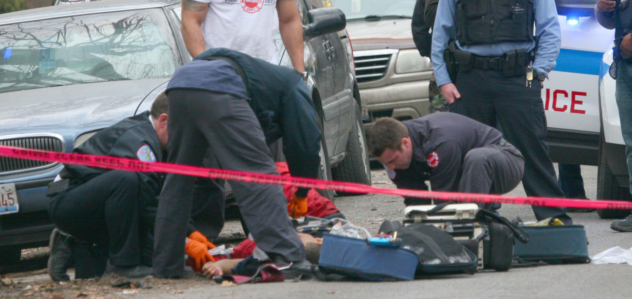 east chatham men One man was killed and another wounded when a gunman opened fire on a car in the east chatham neighborhood on the south side this morning, police said.
