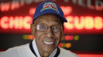 Ernie Banks' caretaker wants list of assets from ex-Cub's estranged wife