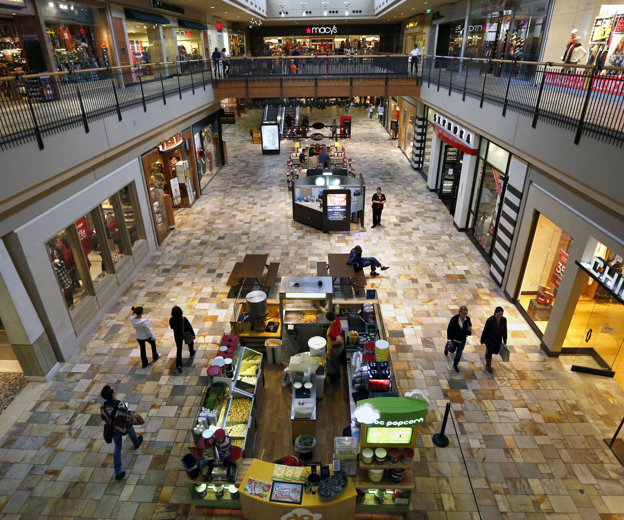 Retailers fail to offer what shoppers want, survey finds