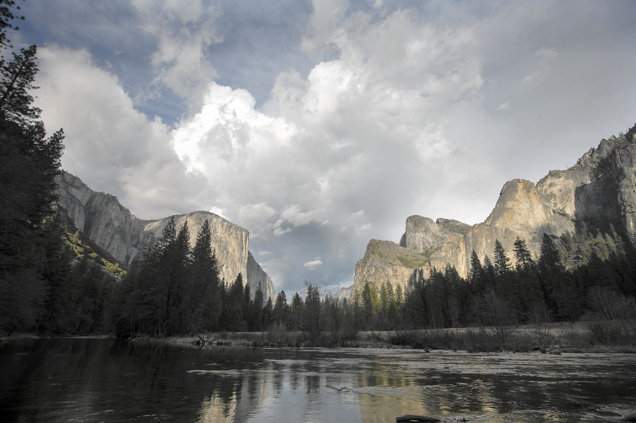 In store for visitors to Yosemite: a drier, browner park