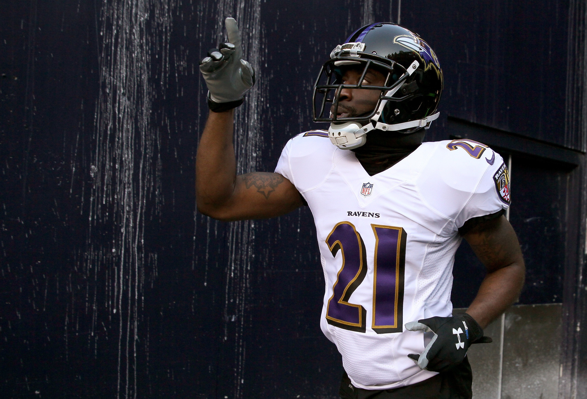 Lardarius Webb hoping to finish career with Ravens after restru…