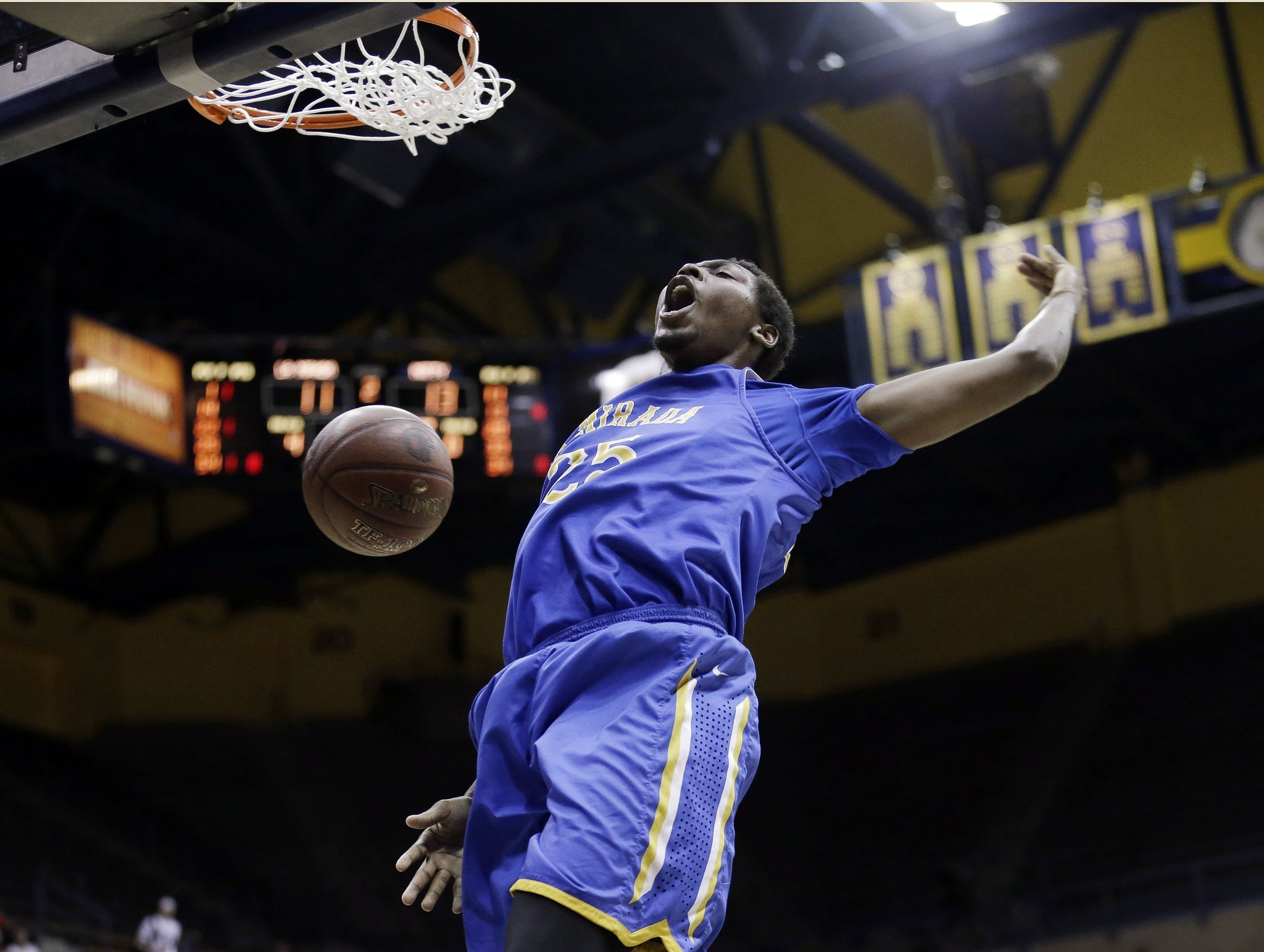 La Mirada defeats Mitty, 71-70 in double OT, for its first state title