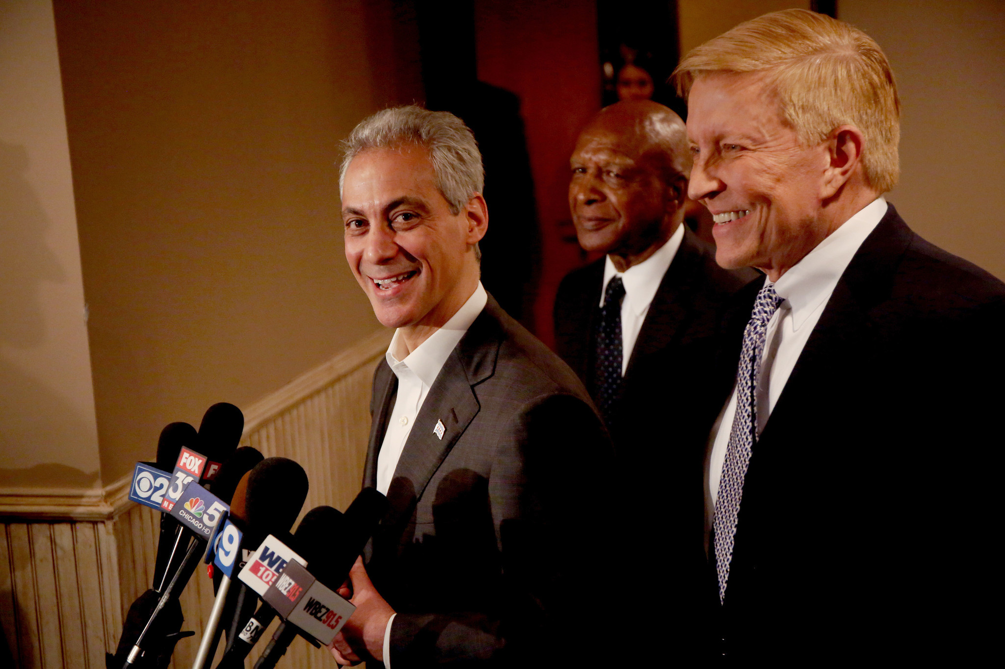 Emanuel critic Fioretti to endorse mayor for second term