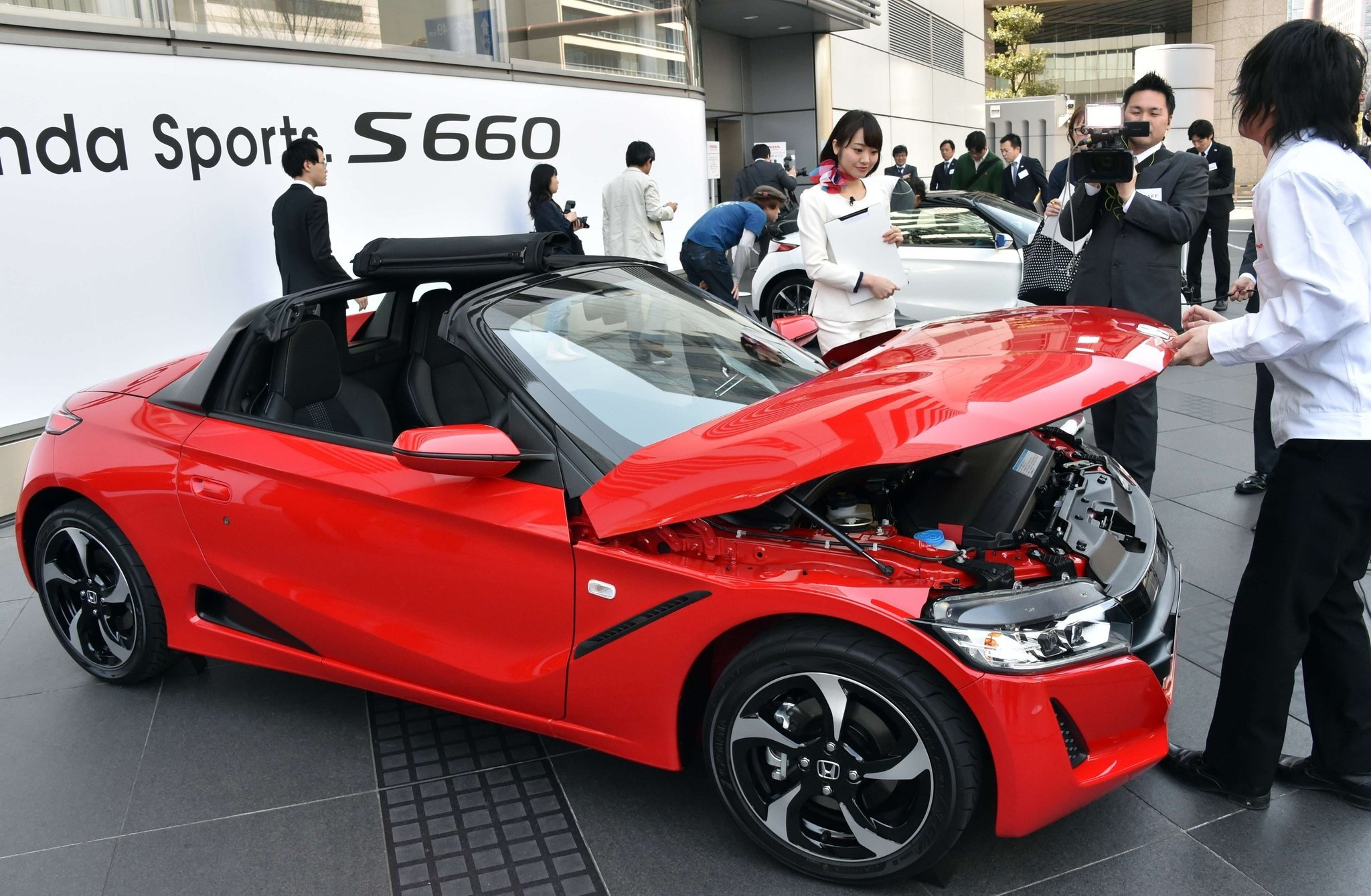 Japans Honda Motors Unveils A New Sports Car