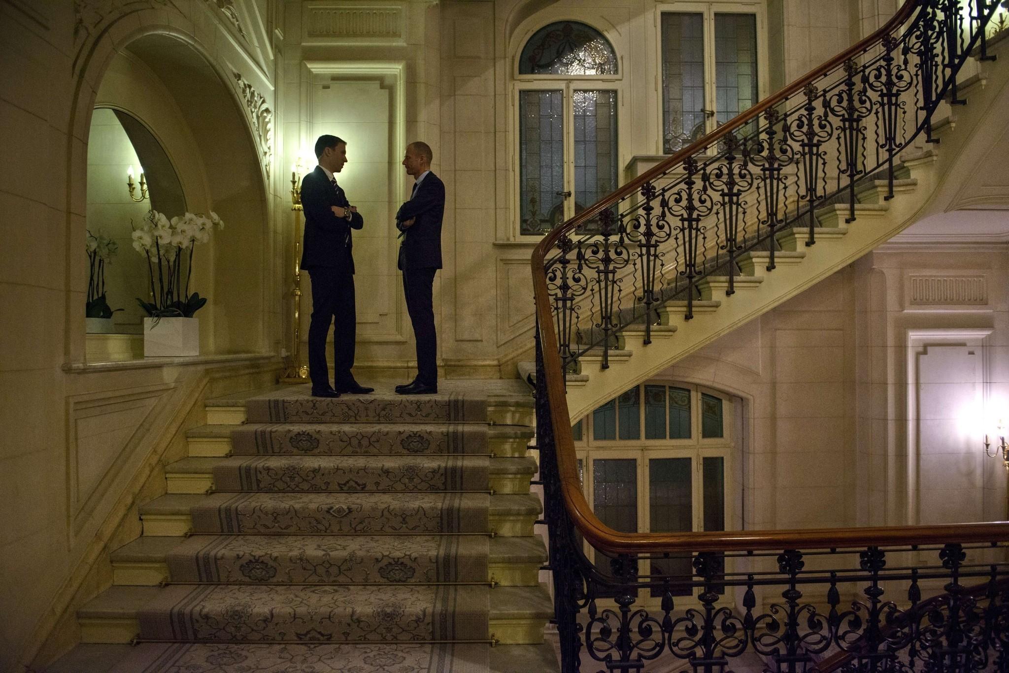 Venue For Iran Talks Is A Gilded Cage Under Constant Surveillance La Times