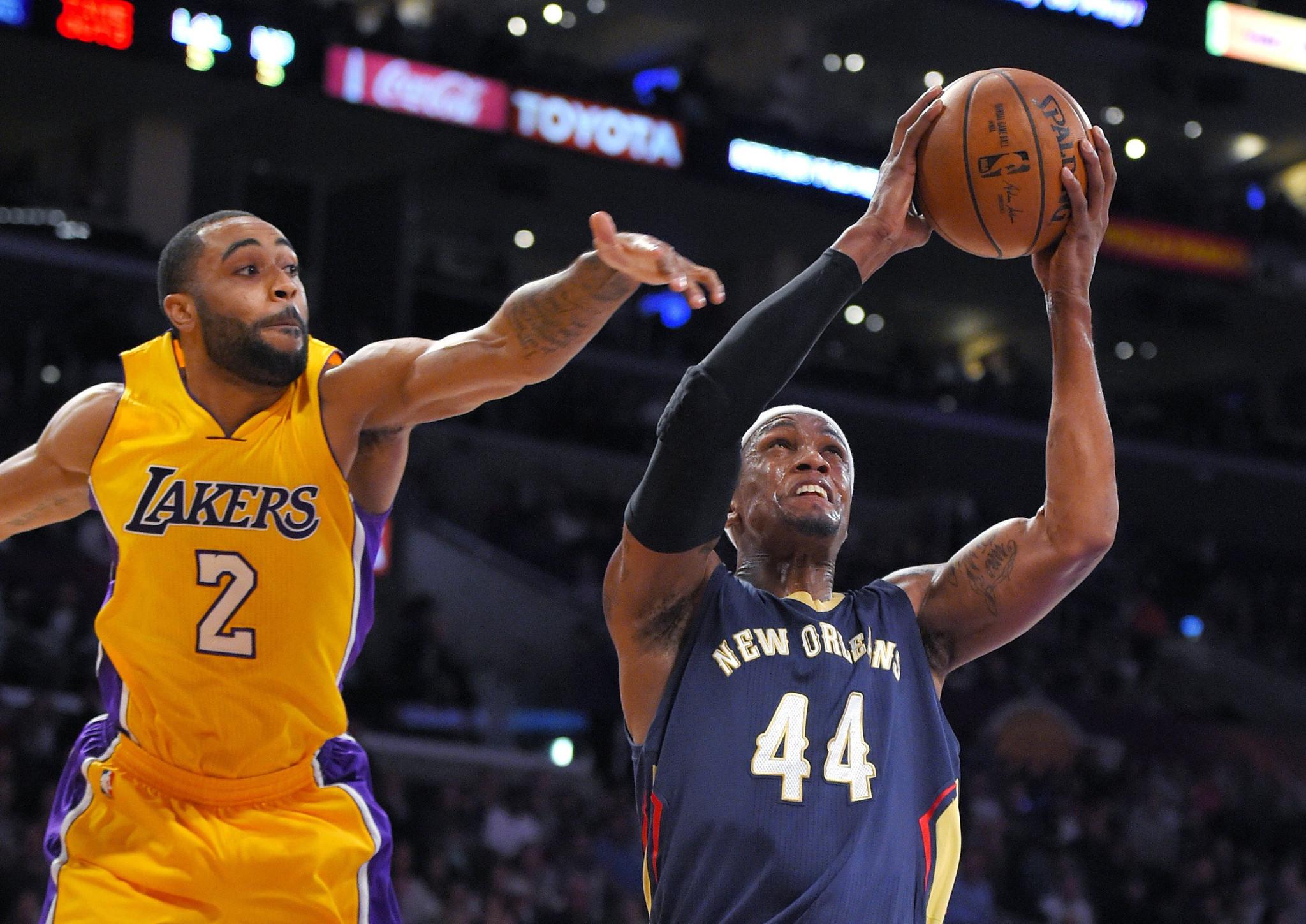 Lakers vs. New Orleans Pelicans: quarter-by-quarter updates