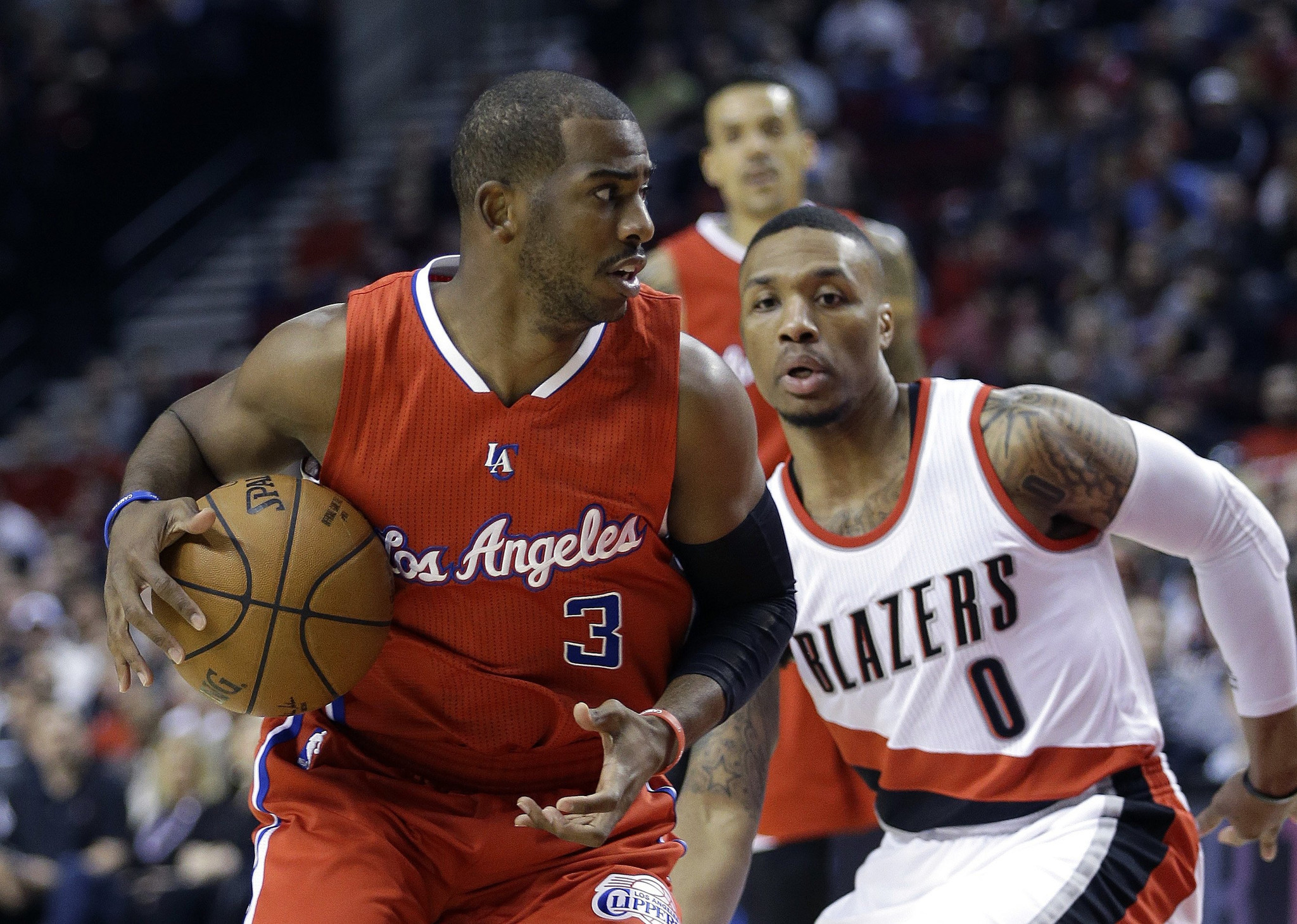 Shove story for Clippers in 126-122 win over Trail Blazers