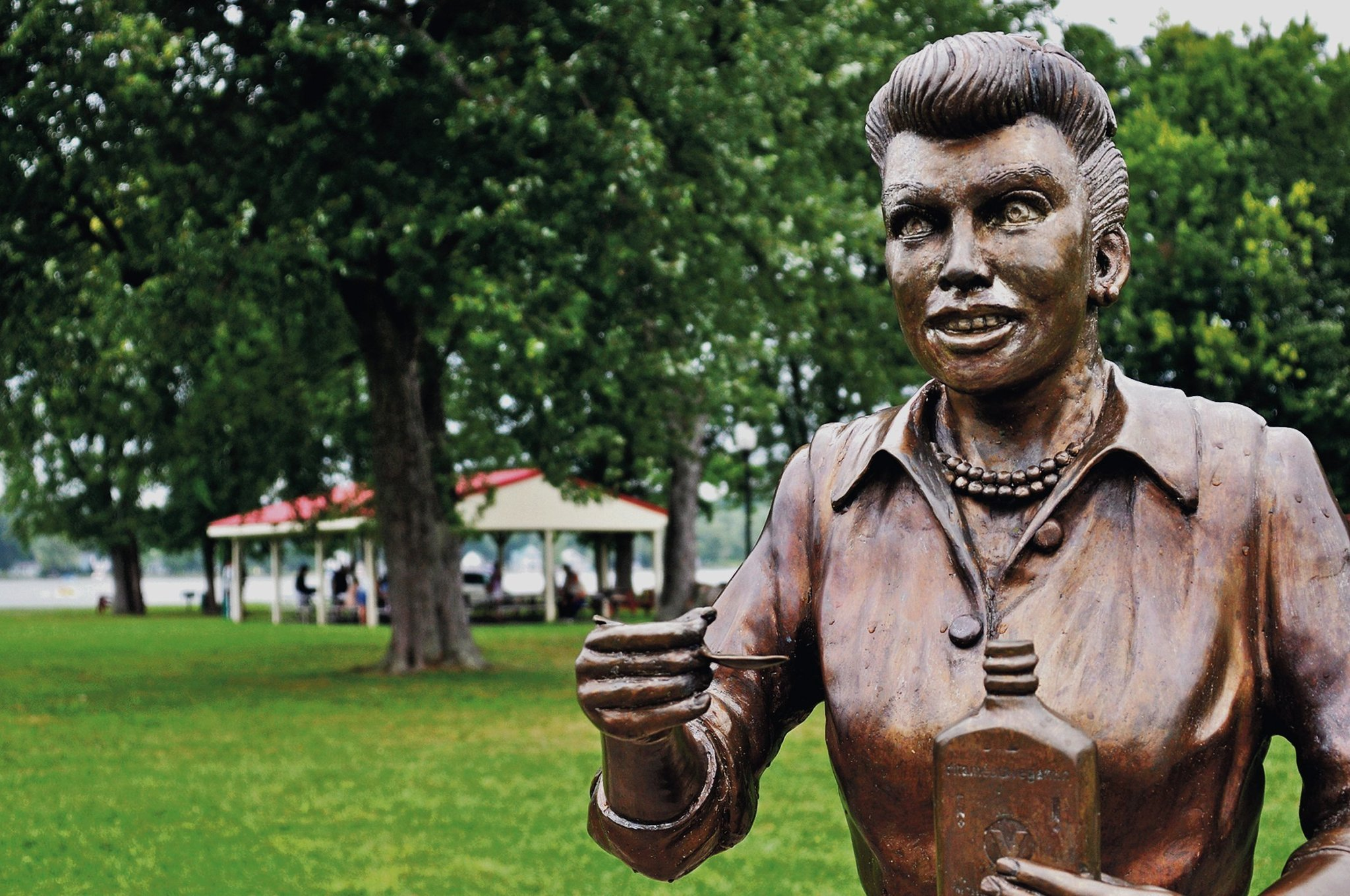 100 Famous People Painting: Sculptor Of 'scary' Lucille Ball Statue Is 'heartsick