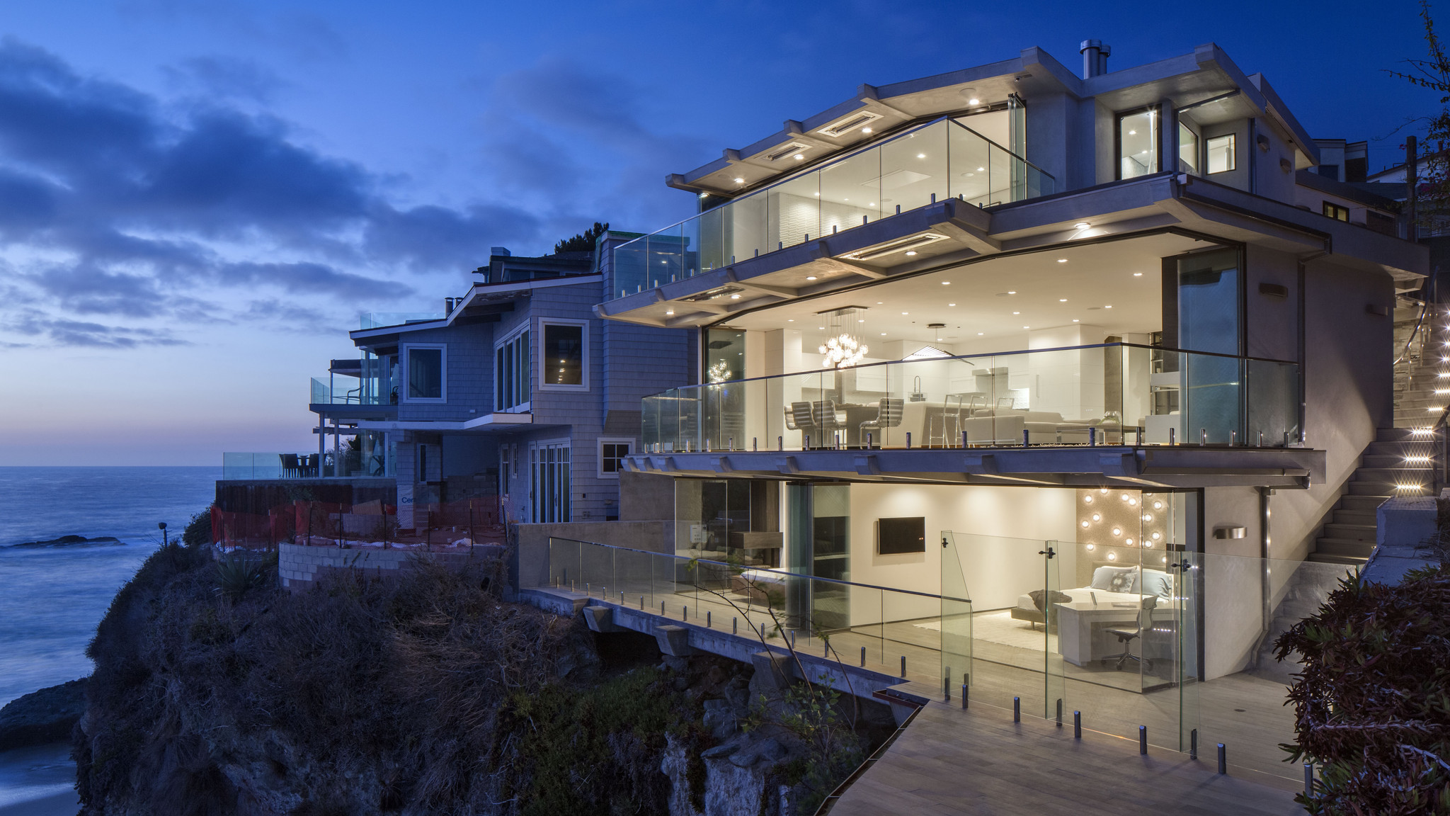 Home of the day living on the edge in laguna beach la times for Laguna beach house prices