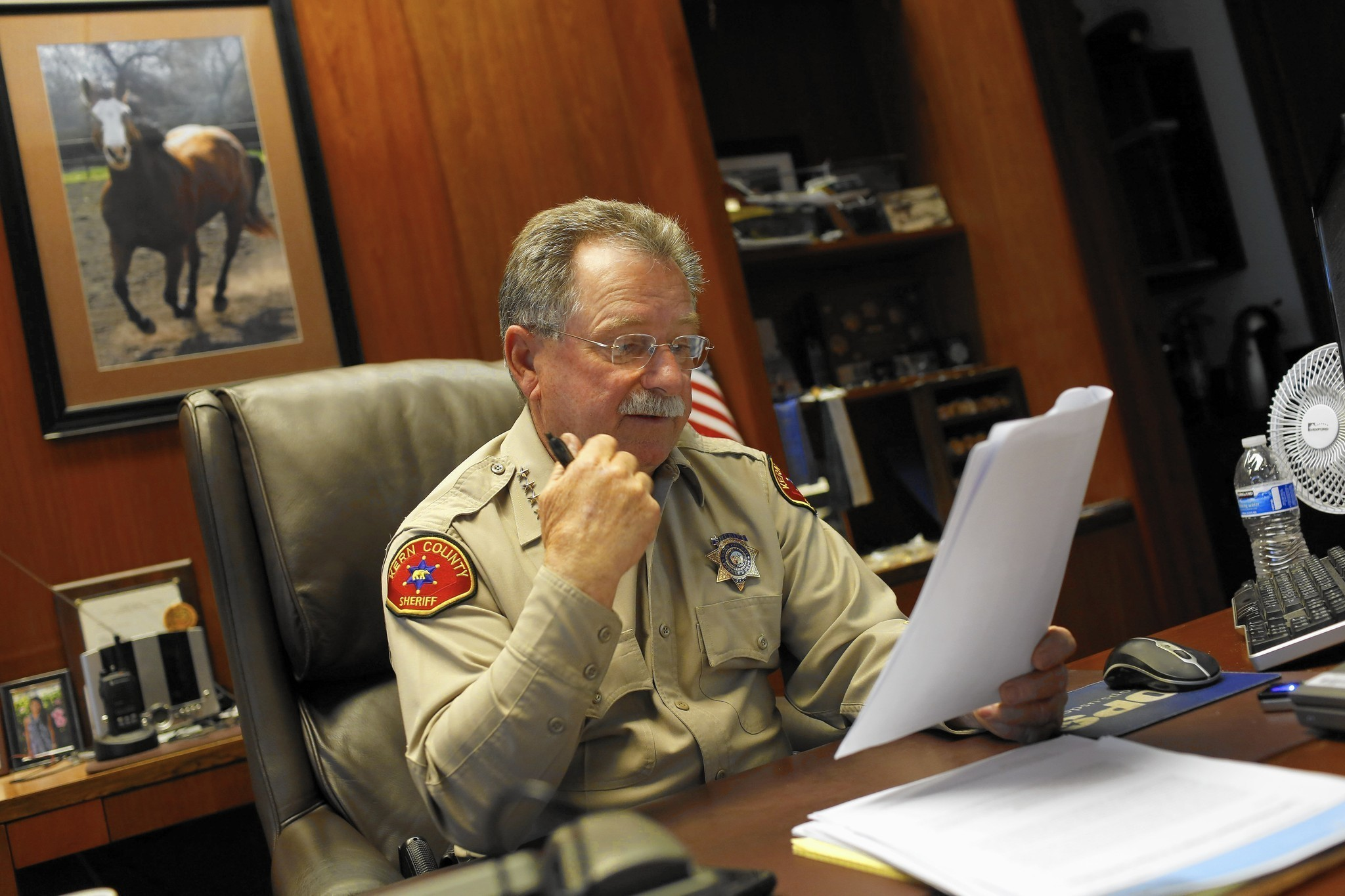 Kern County sheriff a defiant California maverick on immigration