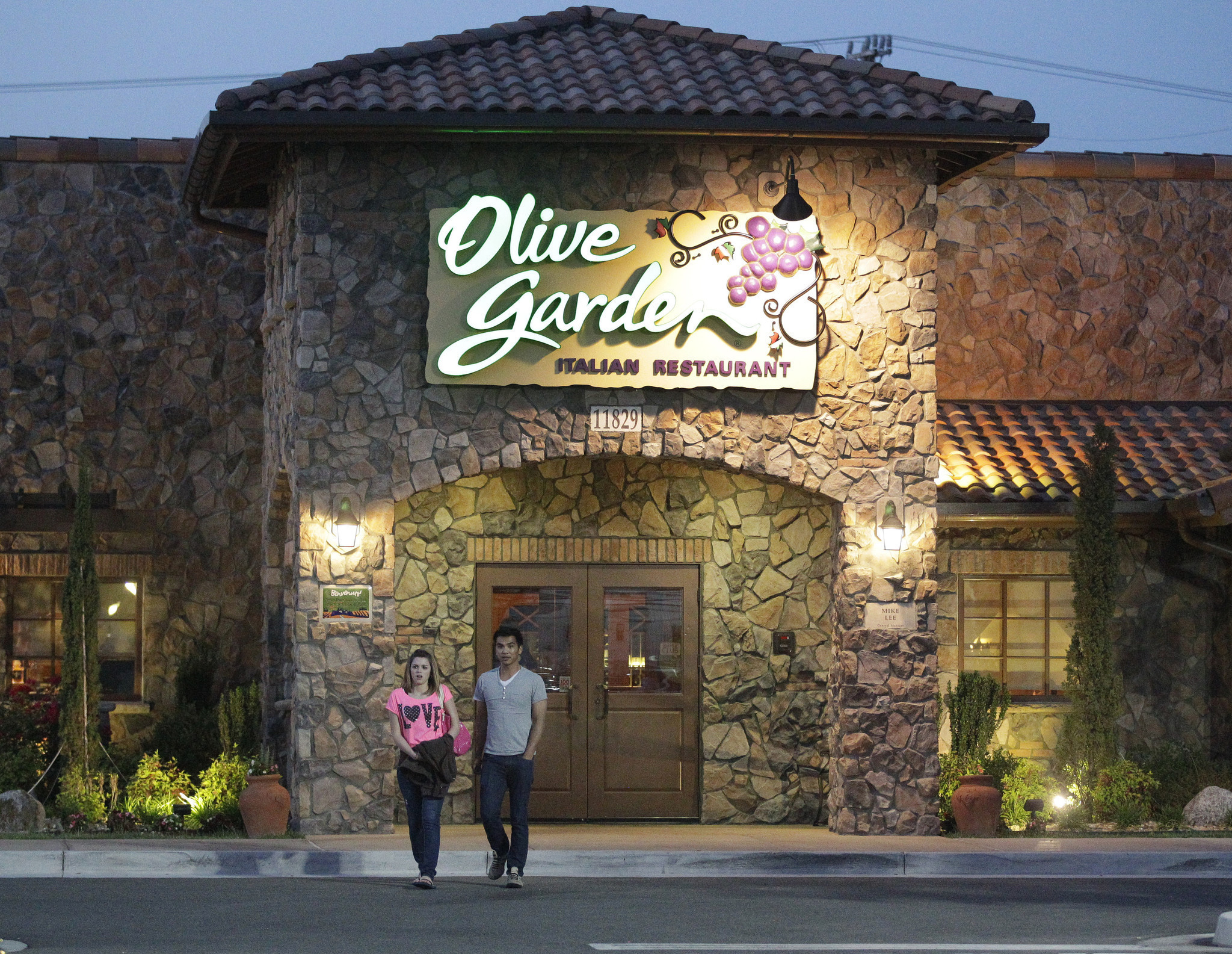 Tap and order: Olive Garden putting tablets at tables nationwide ...