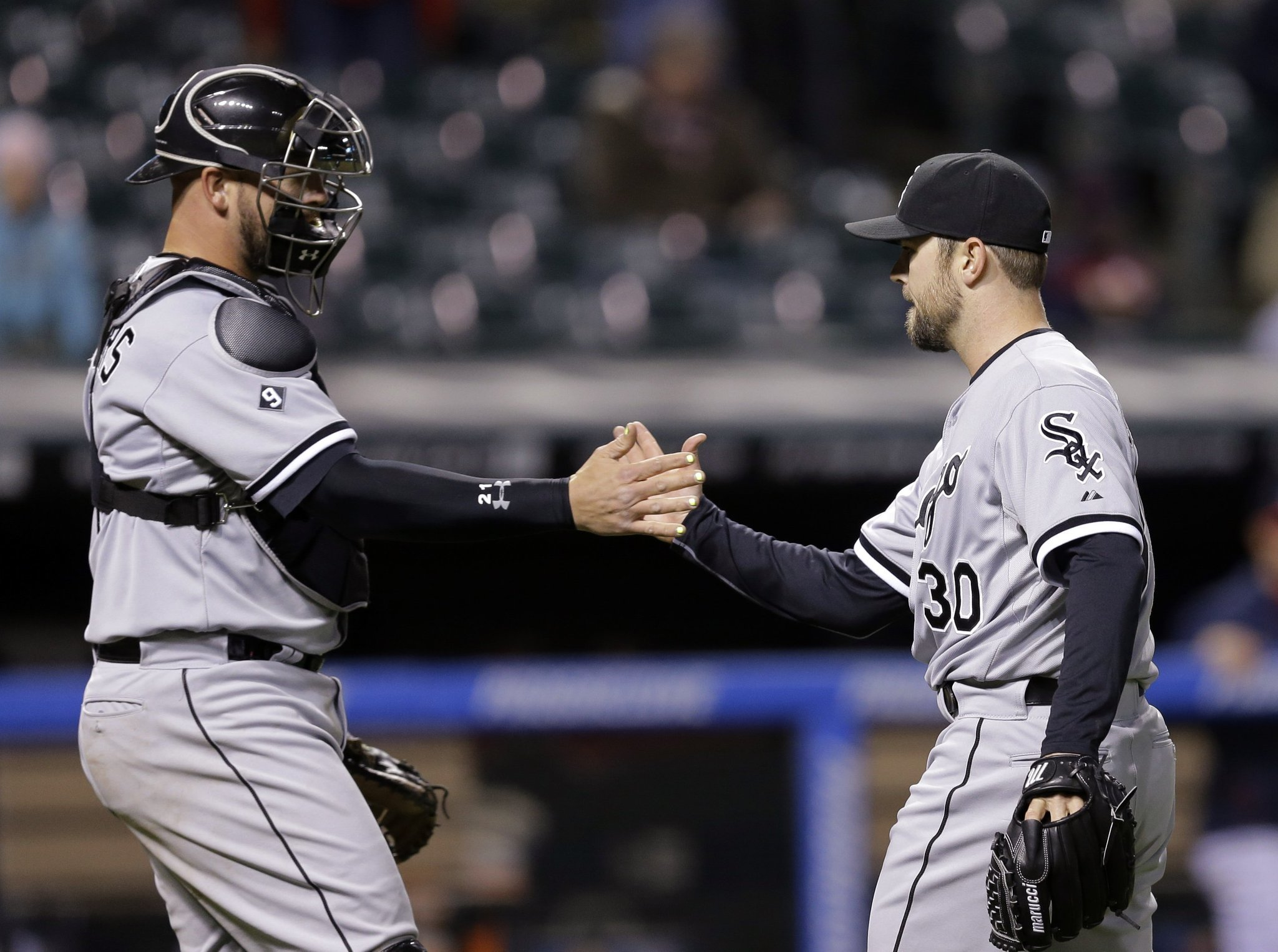 White Sox Ease To Victory After Scary Moment For Indians Pitcher