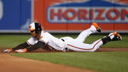Knee injury sends Orioles second baseman Jonathan Schoop to disabled list