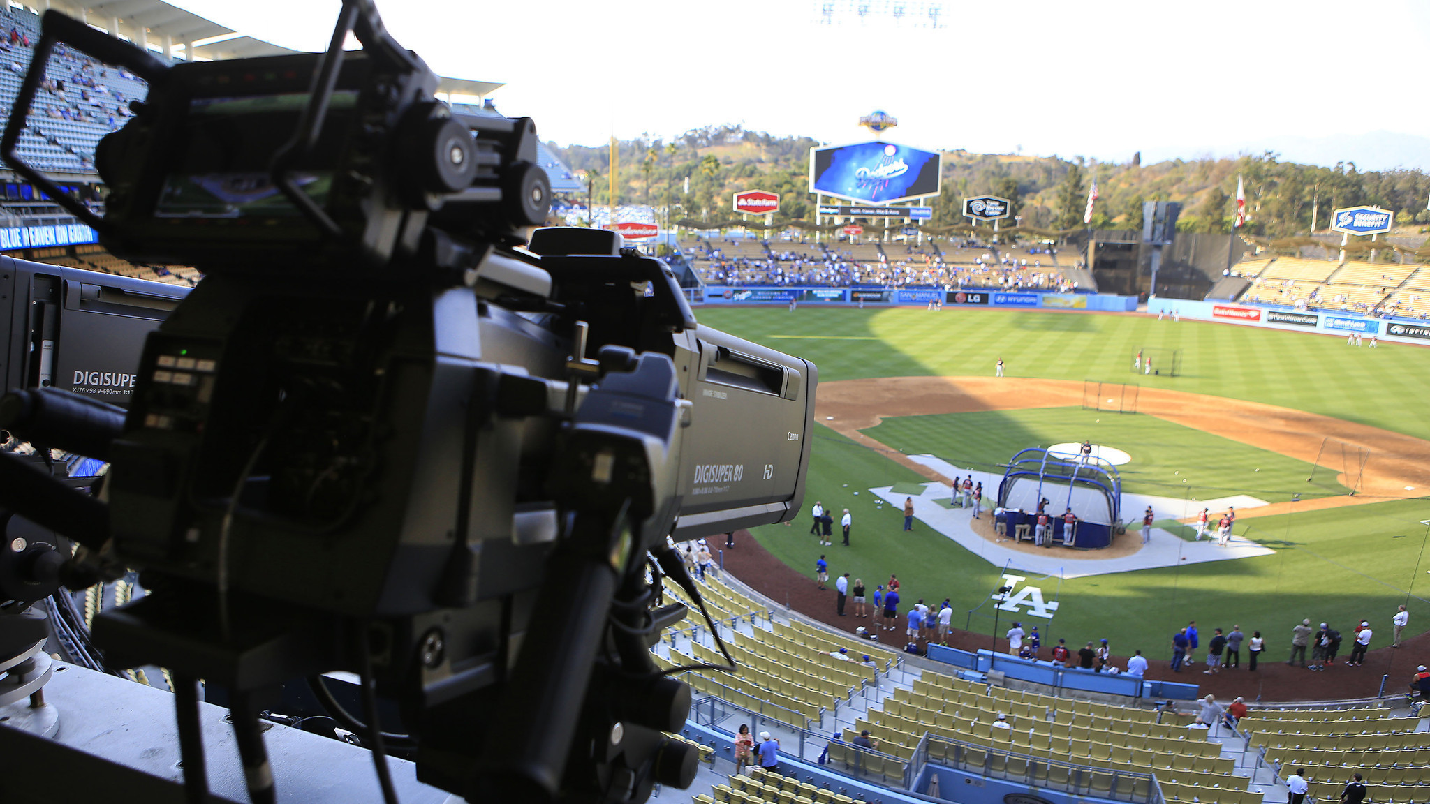 Magic Johnson is right about TV issue not hurting Dodgers brand