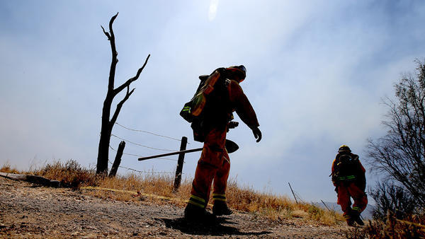 200 homes threatened by brush fire in Chino Hills