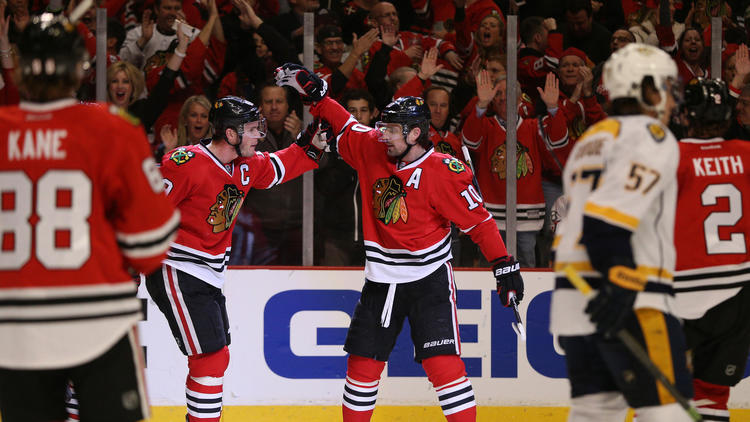 Blackhawks Advance With 4-3 Victory Over Predators
