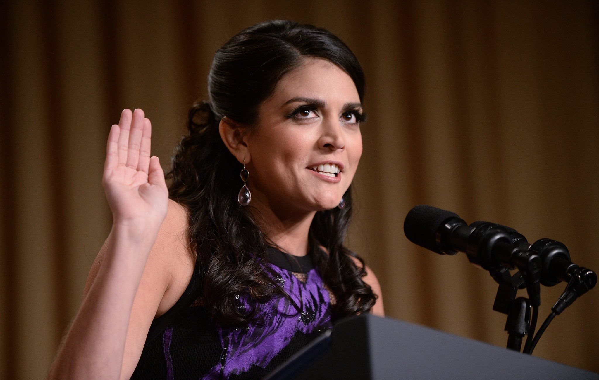 strong looks sharp at white house correspondents' dinner - chicago