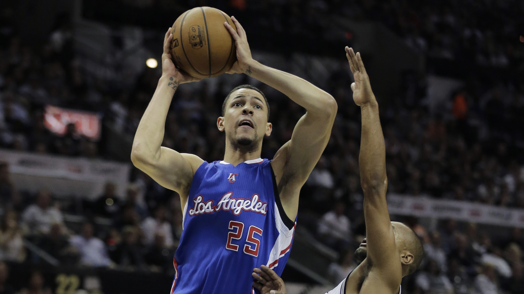 Austin Rivers steps up for Clippers' Game 4 victory with aggressive play