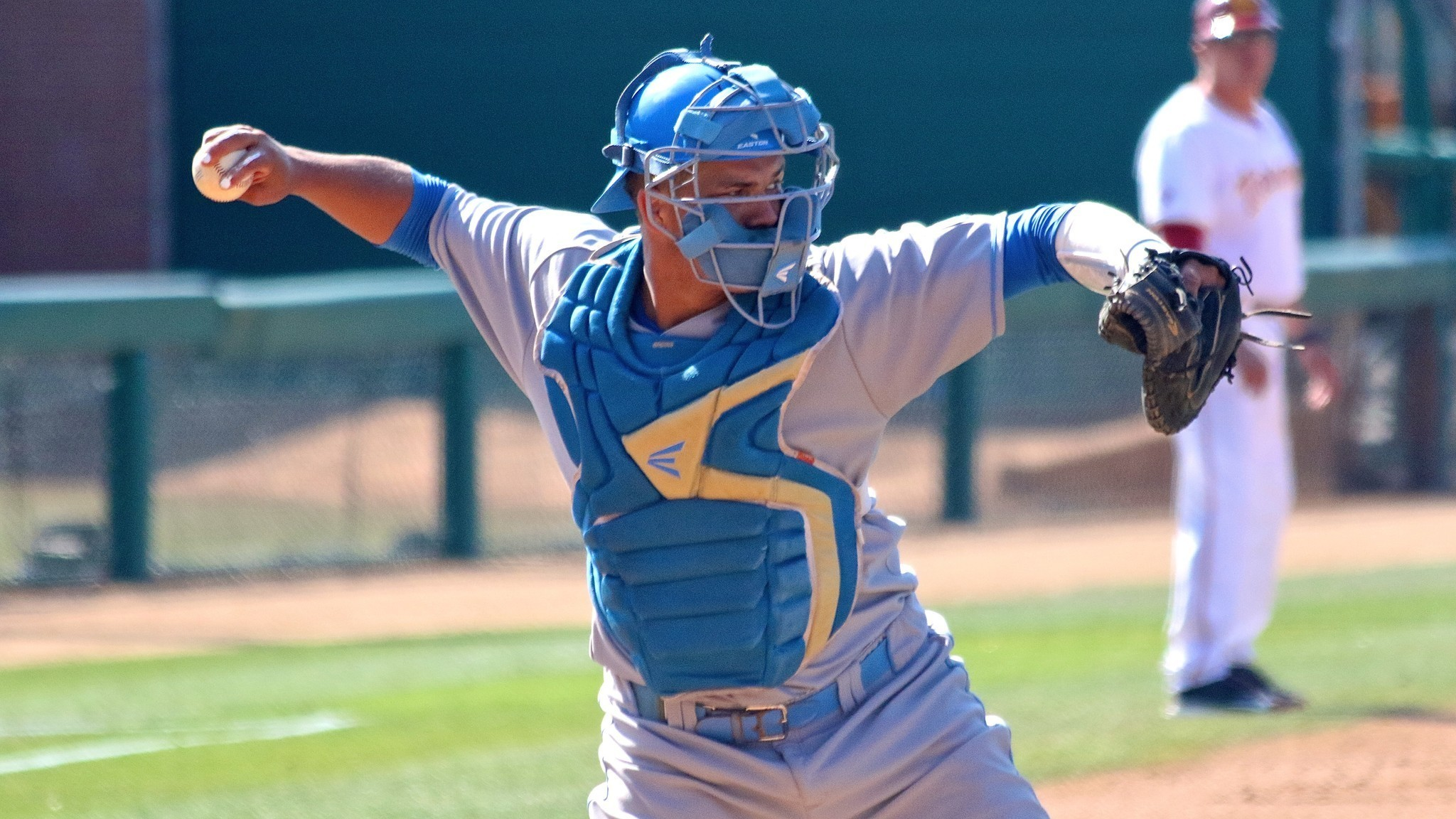 Darrell Miller Jr. pushes UCLA to series win over Stanford